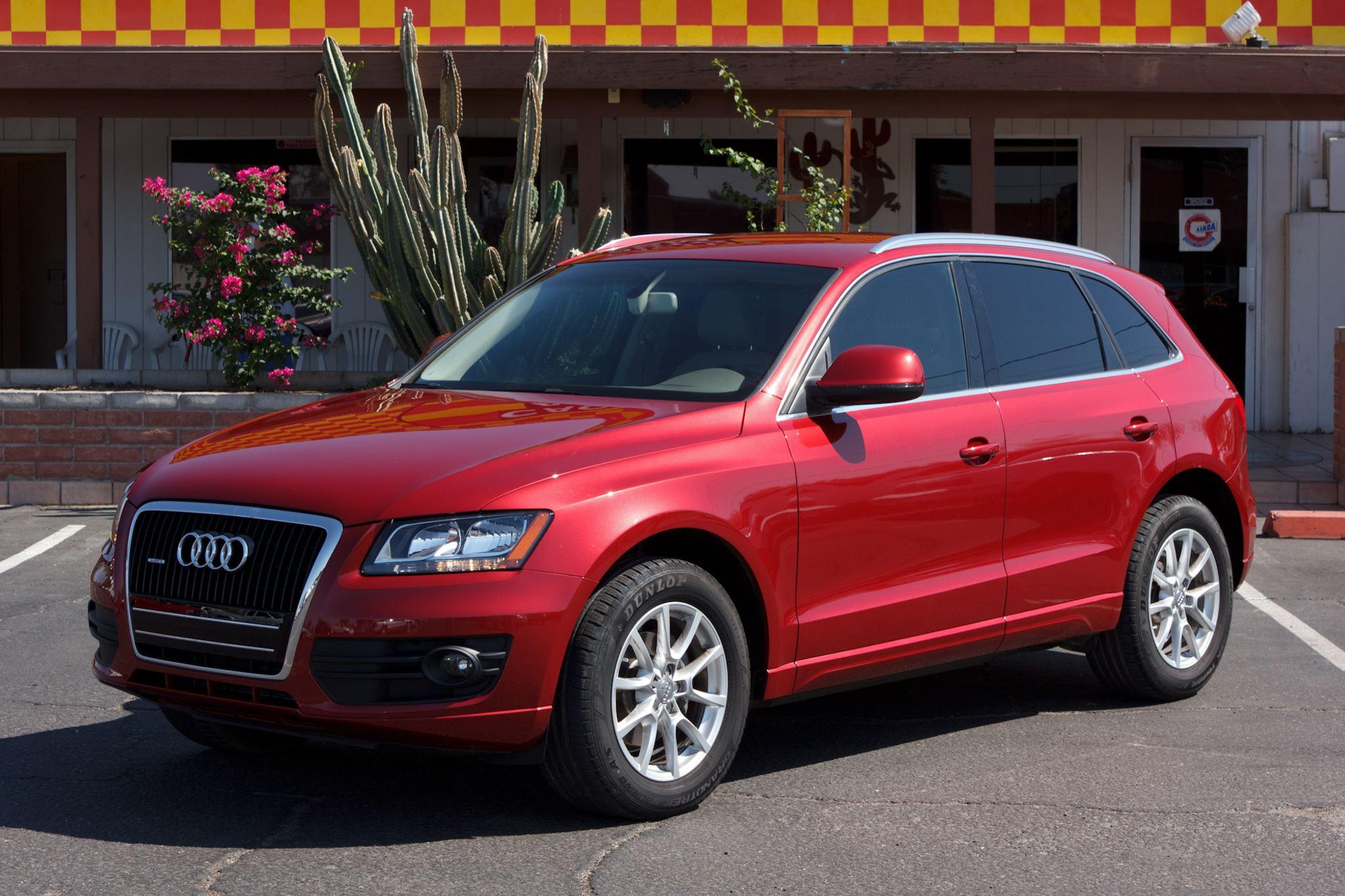 Photo of 2009 Audi Q5 4d Wagon 3.2L Premium Red