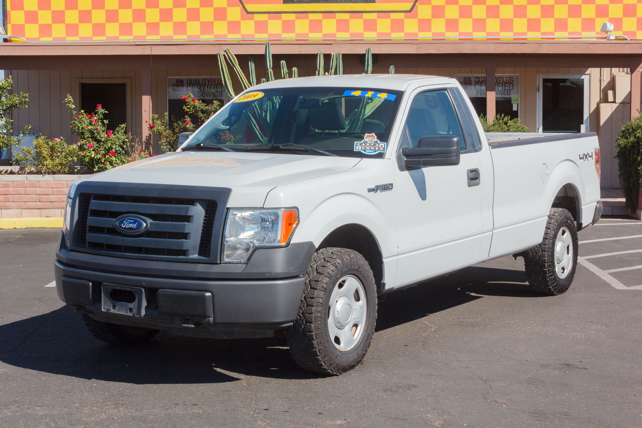Photo of 2009 Ford F150 4WD Reg Cab XL Oxford White Clearcoat