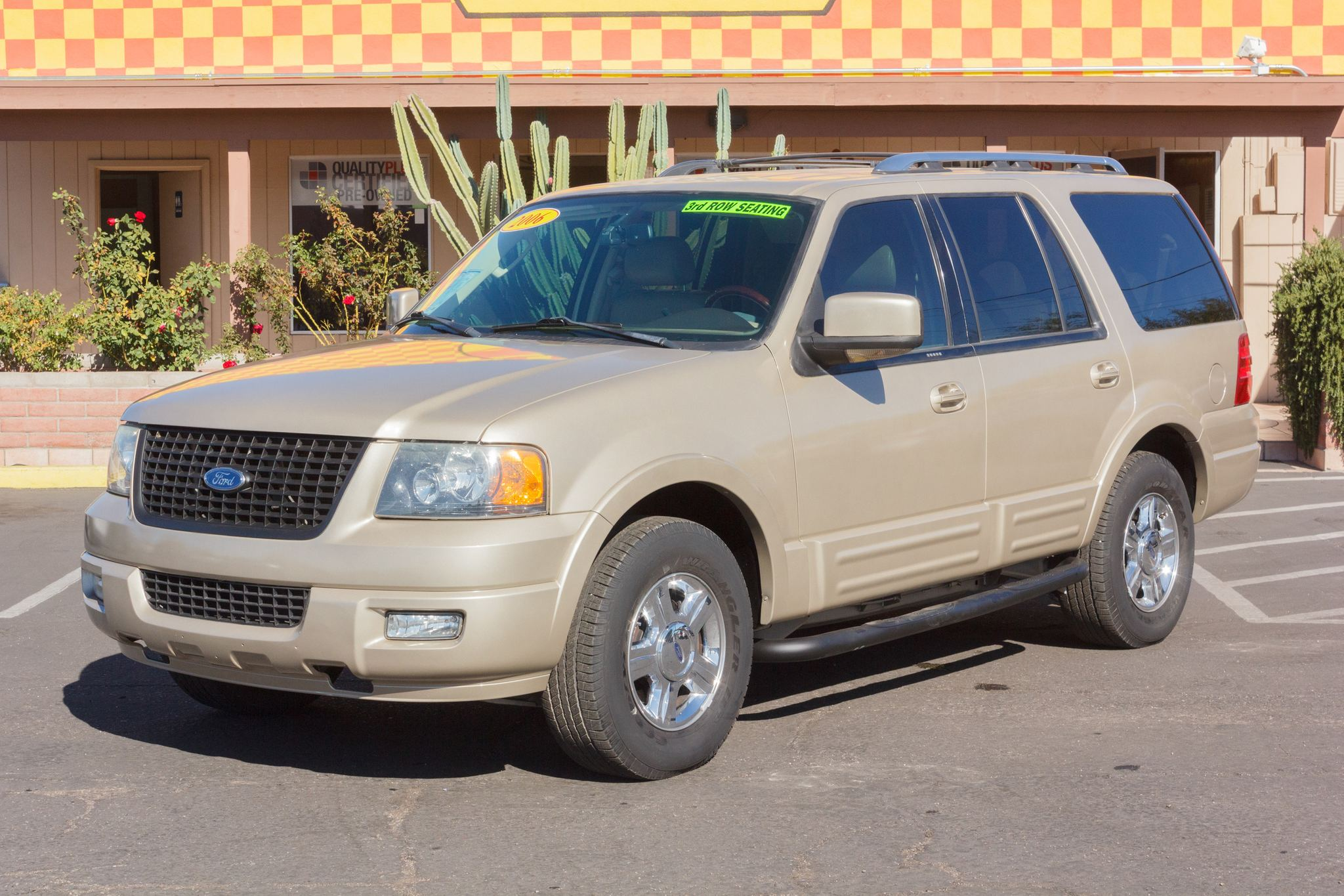 Photo of 2006 Ford Expedition 2WD 4d Wagon Limited Pueblo Gold Clearcoat Metallic