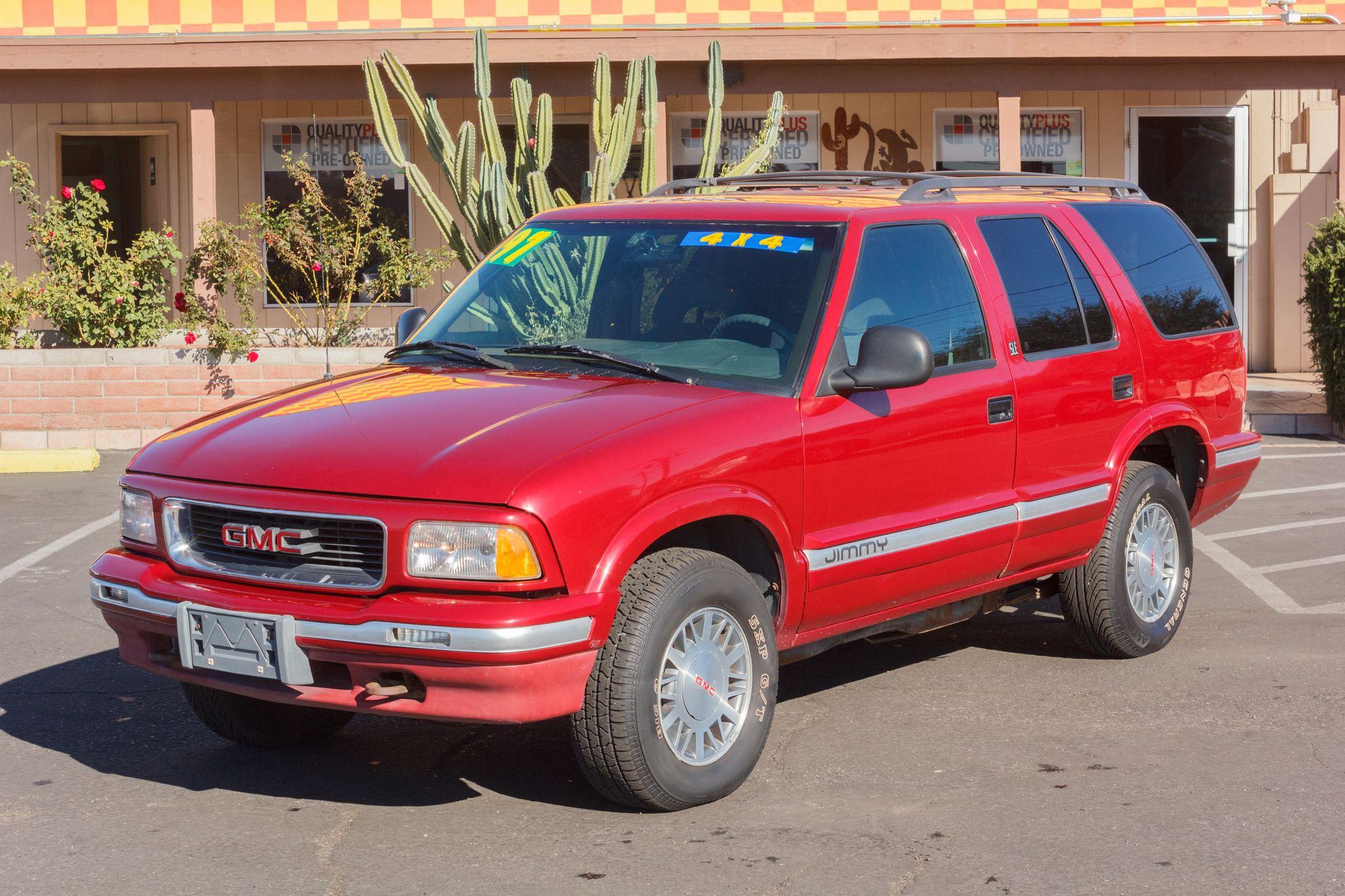 Photo of 1997 GMC Jimmy 4WD 4d Wagon SLE Cherry Red Metallic