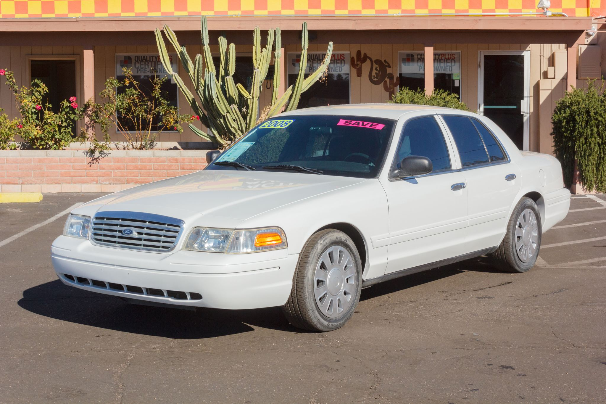Photo of 2008 Ford Crown Victoria 4d Sedan Vibrant White Clearcoat