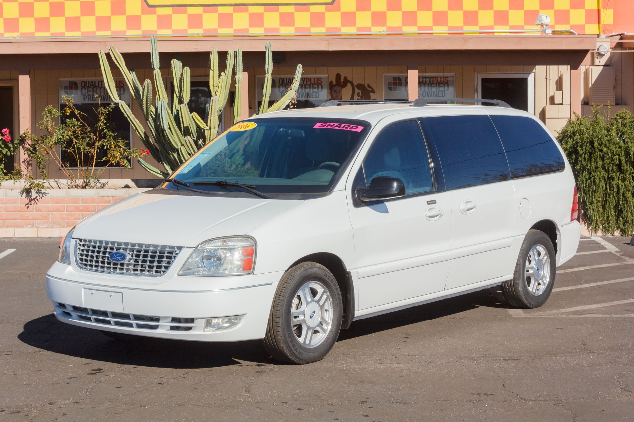 Photo of 2006 Ford Freestar Wagon 4d Wagon SEL Vibrant White Clearcoat