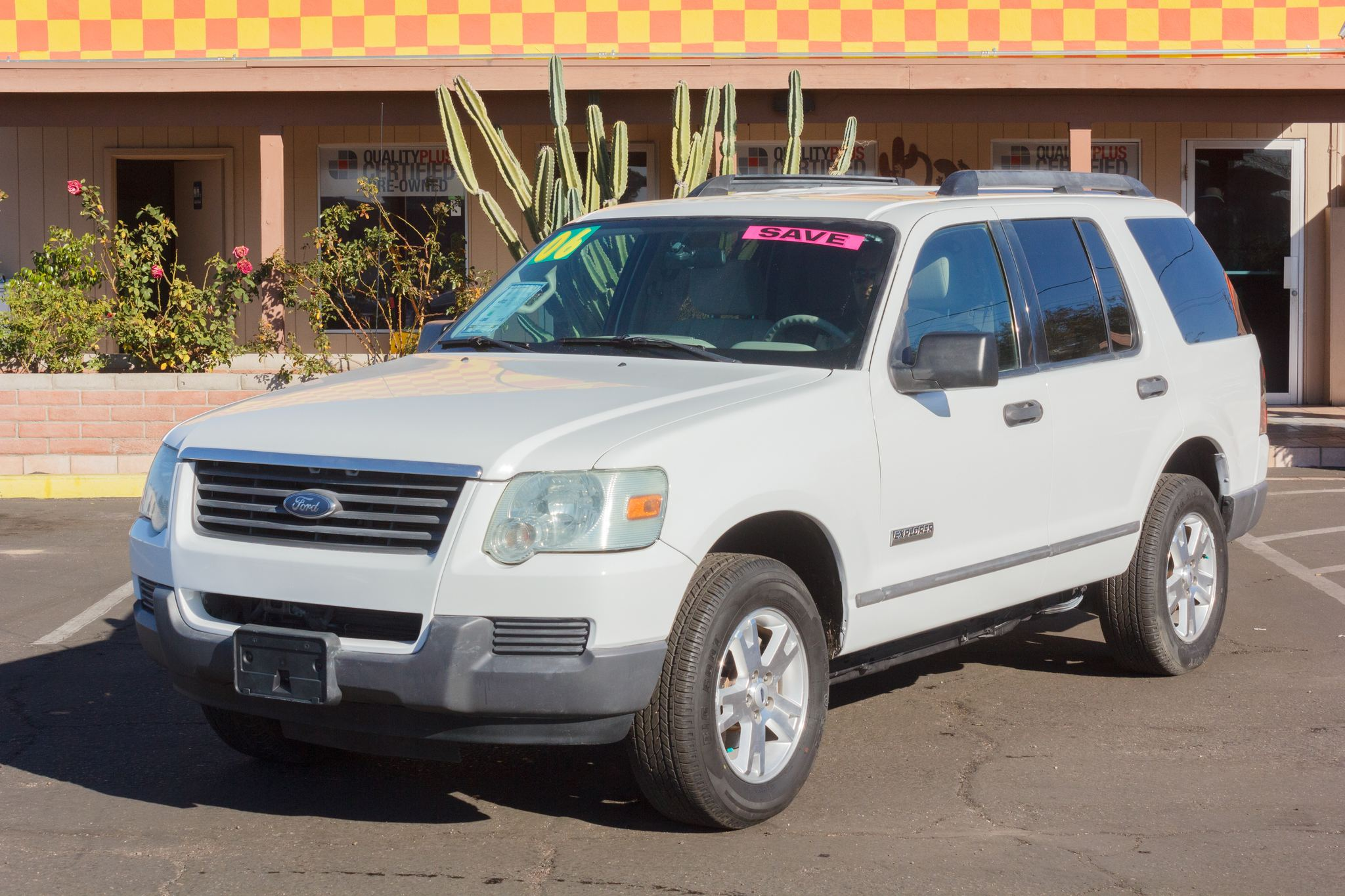 Photo of 2006 Ford Explorer 4WD 4d Wagon XLS Oxford White Clearcoat
