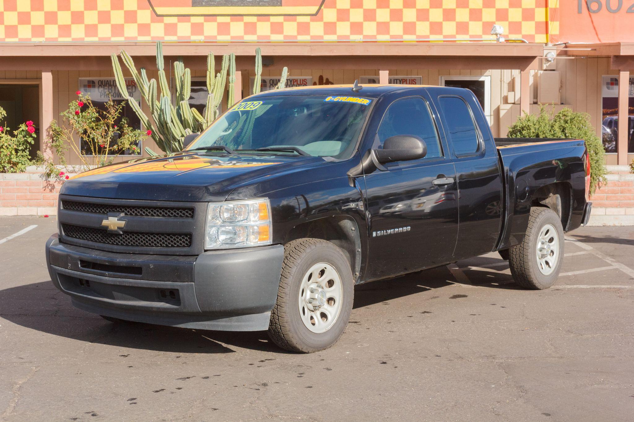 Photo of 2009 Chevrolet Silverado 1500 2WD Ext Cab Work Truck Shortbed Black