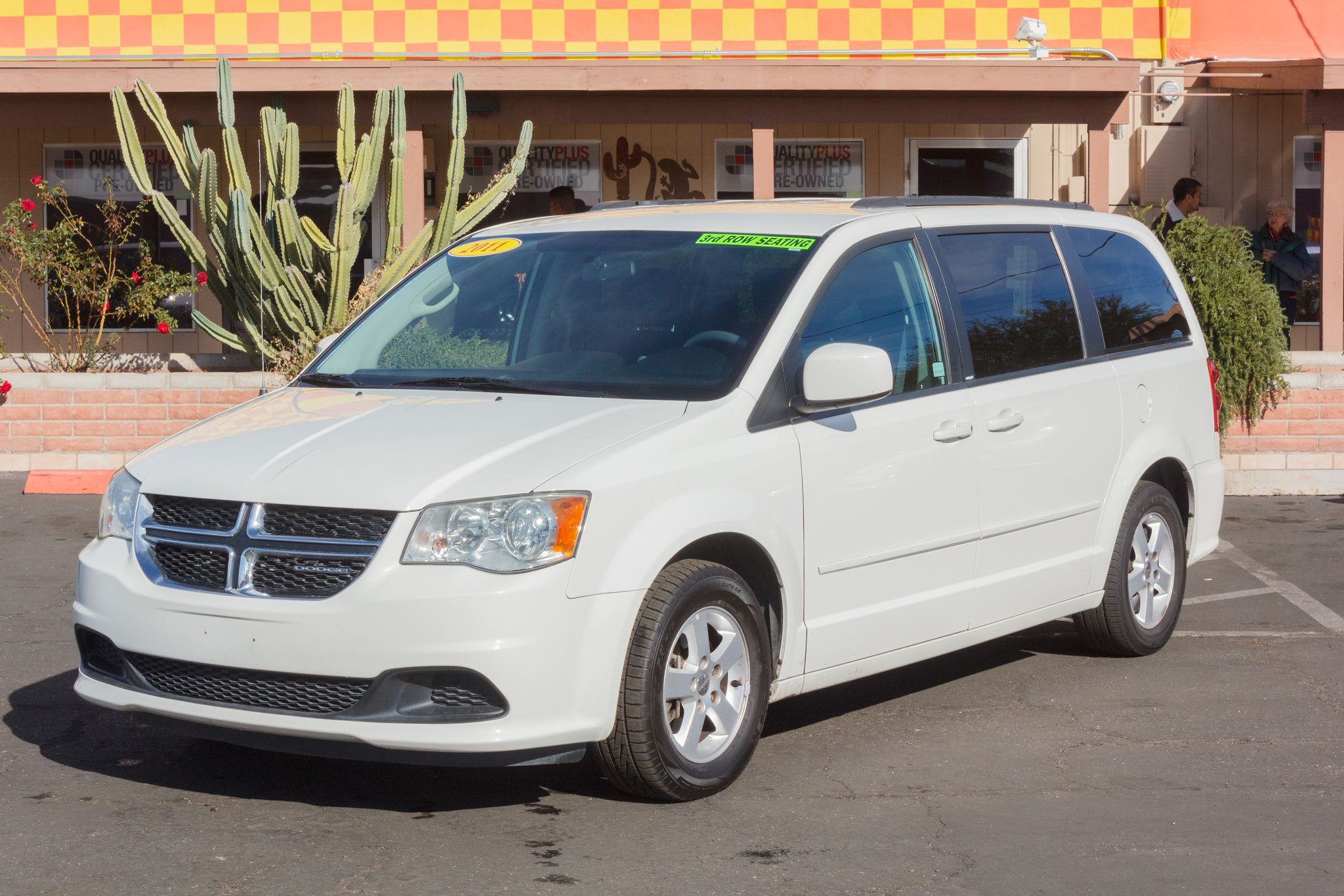 Photo of 2011 Dodge Grand Caravan 4d Wagon Mainstreet Stone White Clearcoat