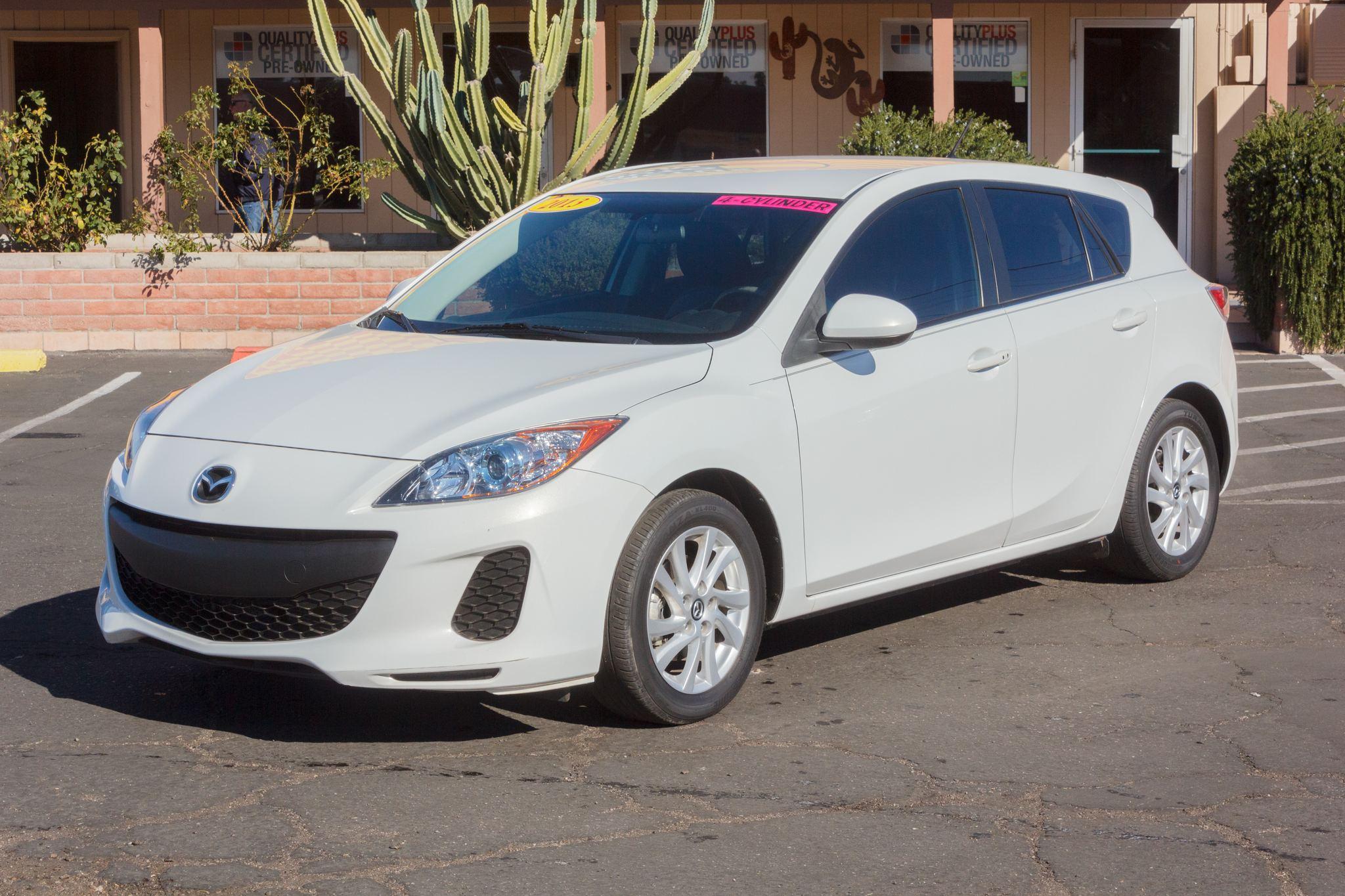Photo of 2013 Mazda Mazda3 5d Hatchback i Touring Auto Crystal White Pearl Mica