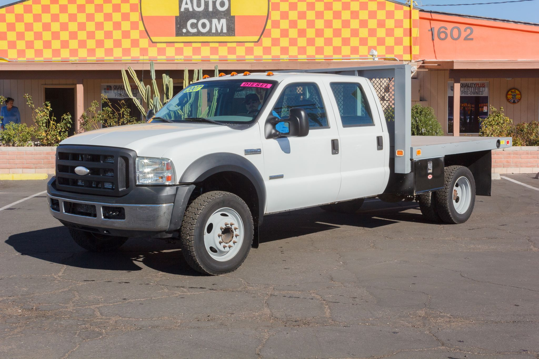 Photo of 2007 Ford F550 Cab-Chassis 2WD Crew Cab White