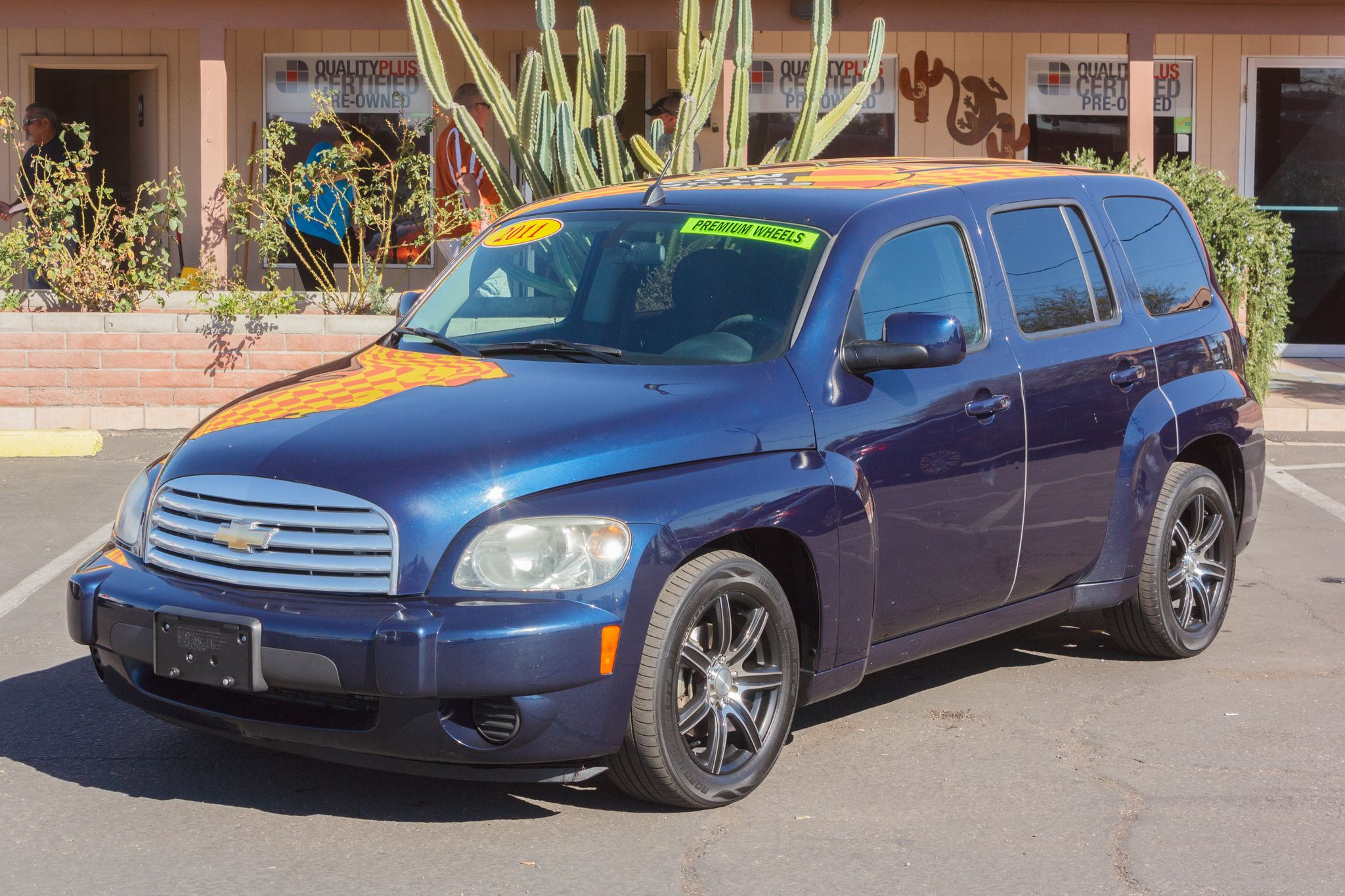 Photo of 2011 Chevrolet HHR 4d Wagon LT1 Imperial Blue Metallic