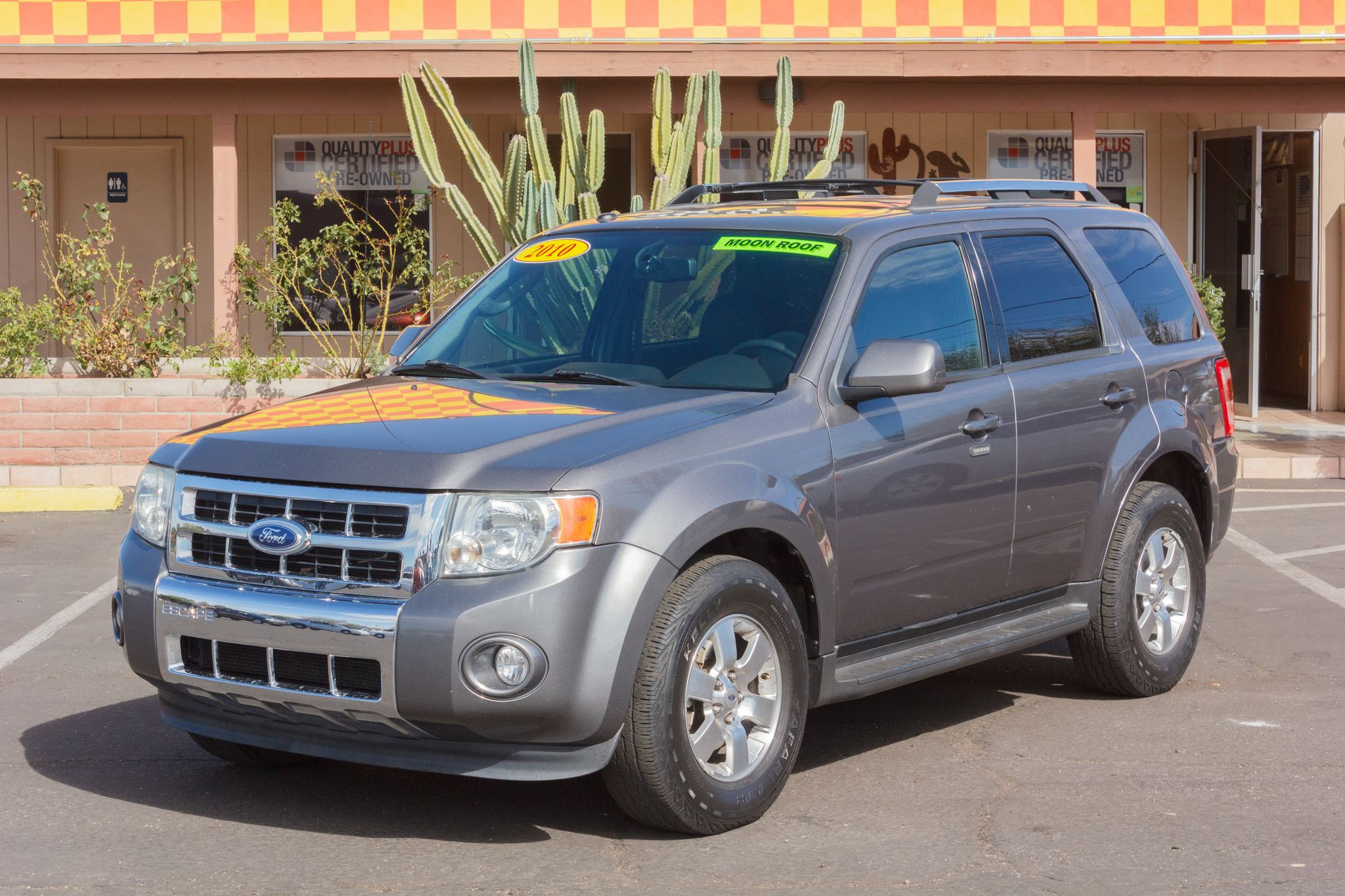 Photo of 2010 Ford Escape FWD 4d Wagon Limited Sterling Gray Metallic