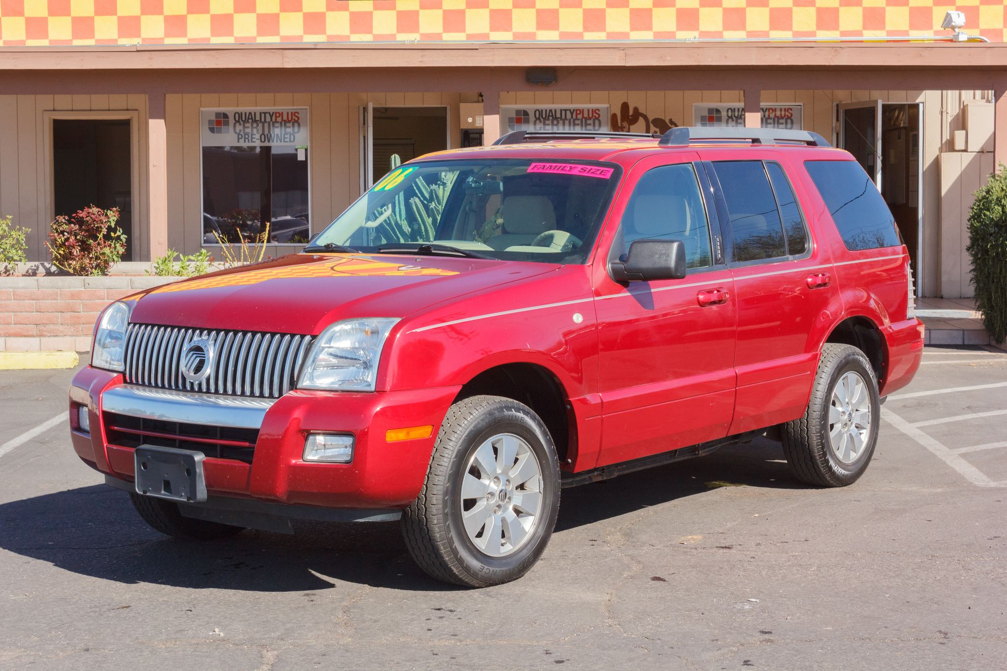 Photo of 2006 Mercury Mountaineer AWD 4d Wagon Convenience Vivid Red Clearcoat Metallic