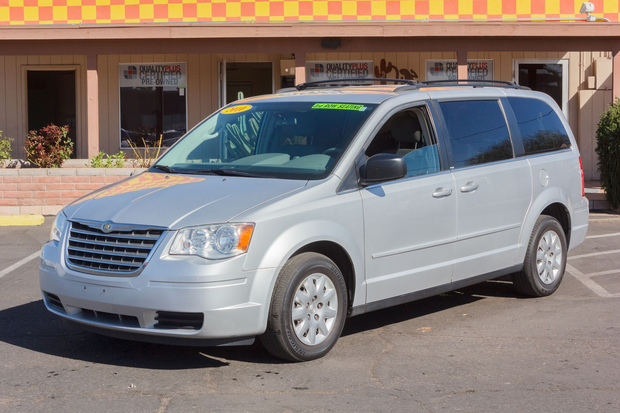 Photo of 2010 Chrysler Town & Country 4d Wagon LX Bright Silver Metallic Clearcoat