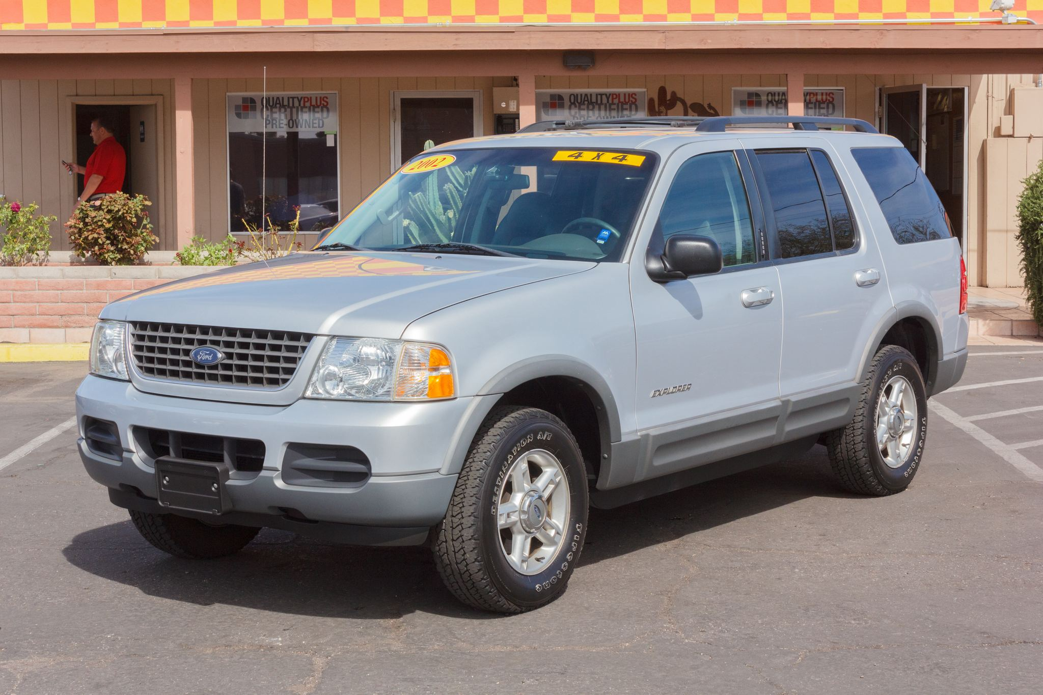 Photo of 2002 Ford Explorer 4WD 4d Wagon XLT Silver Birch Clearcoat Metallic