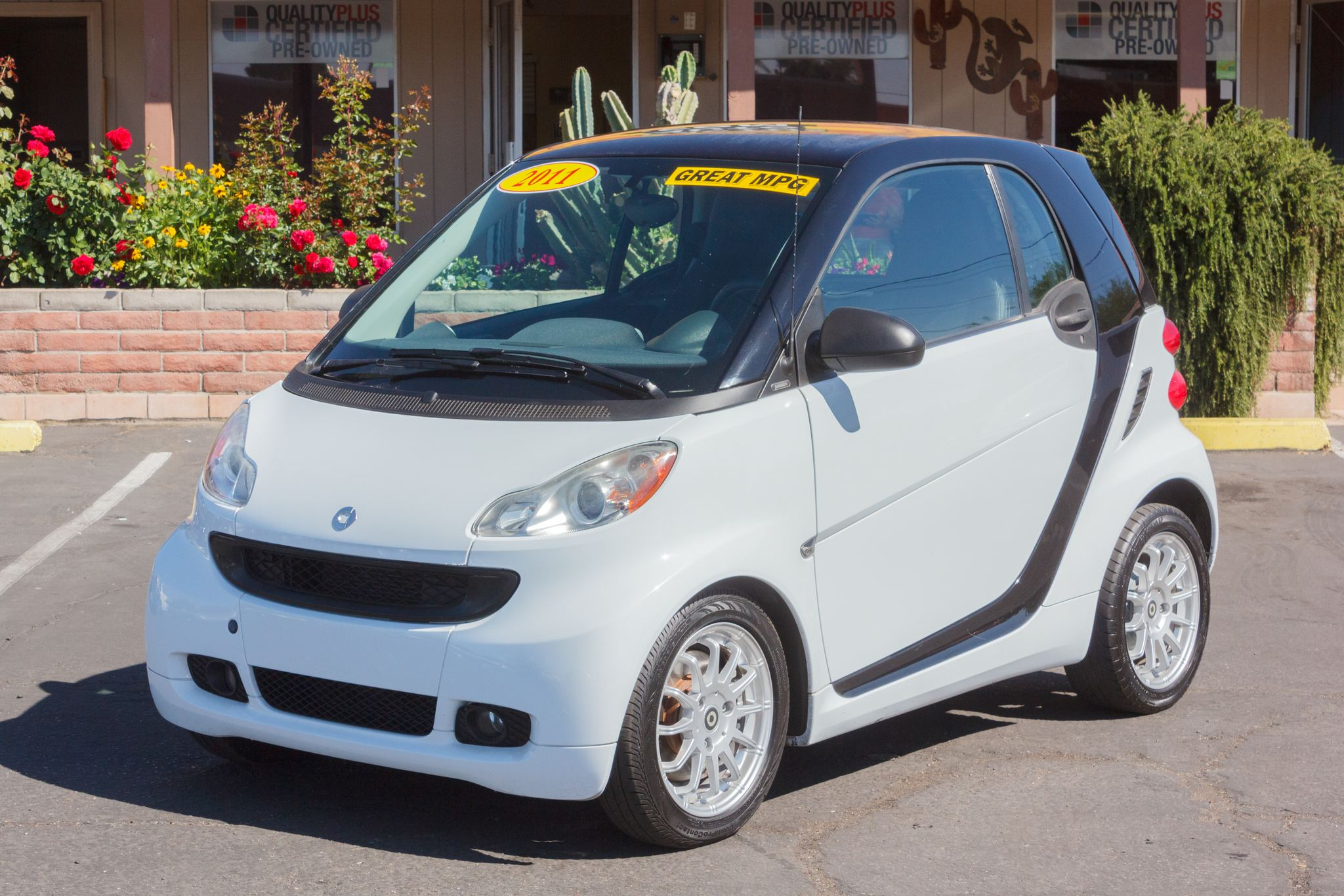 Photo of 2011 Smart Fortwo 2d Coupe Passion Crystal White