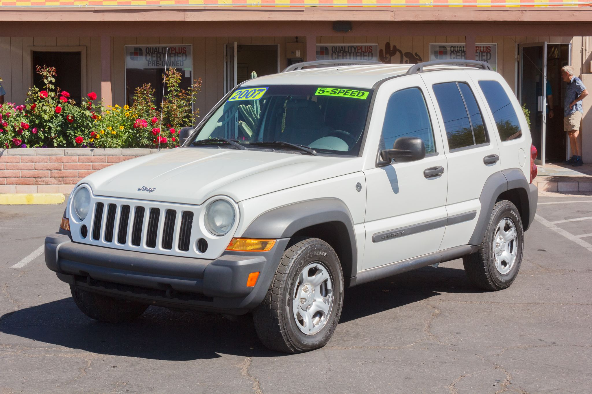 Photo of 2007 Jeep Liberty 4WD 4d Wagon Sport Stone White Clearcoat