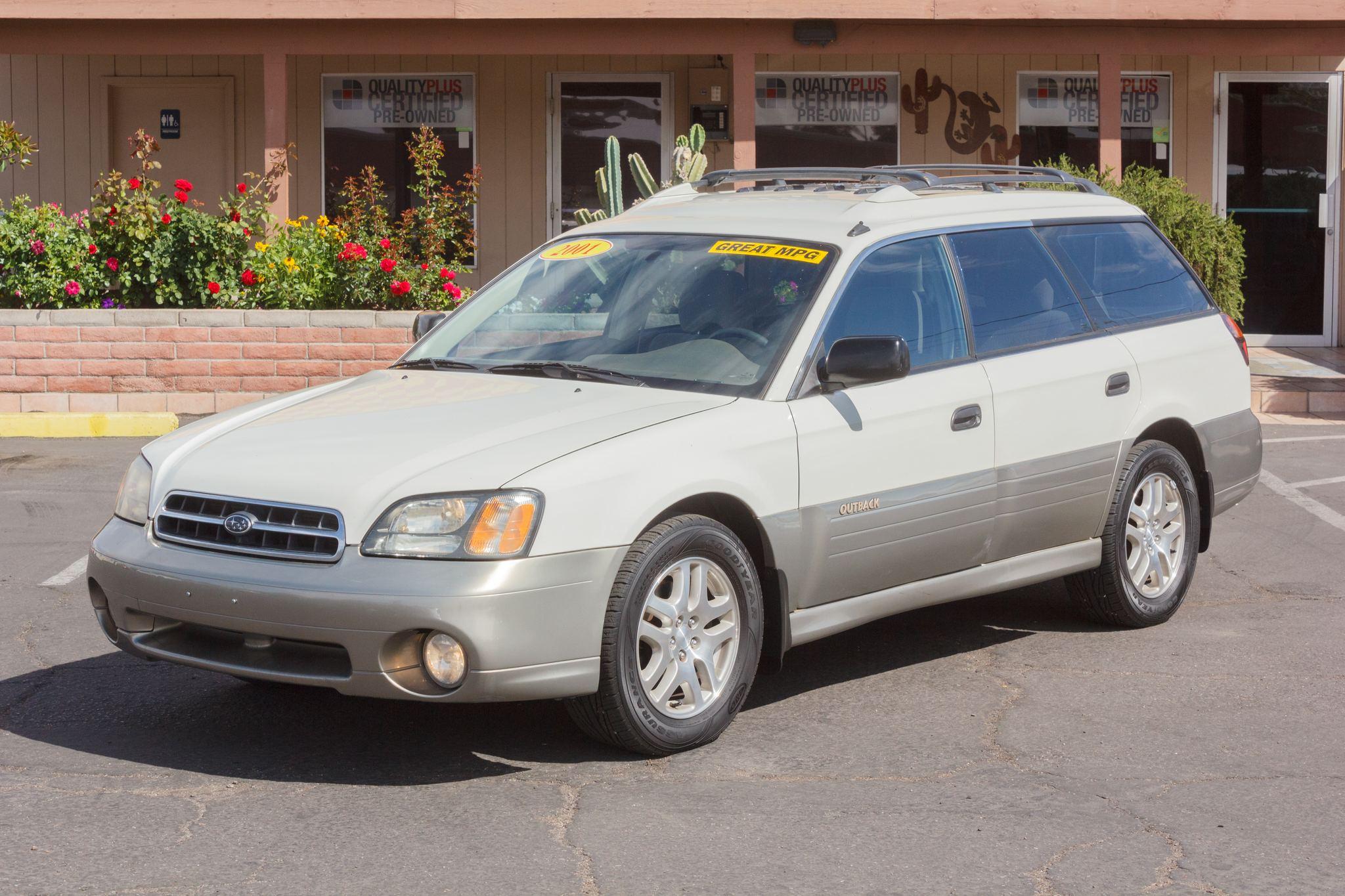 Photo of 2001 Subaru Outback 5d Wagon White Birch/Titanium Pearl