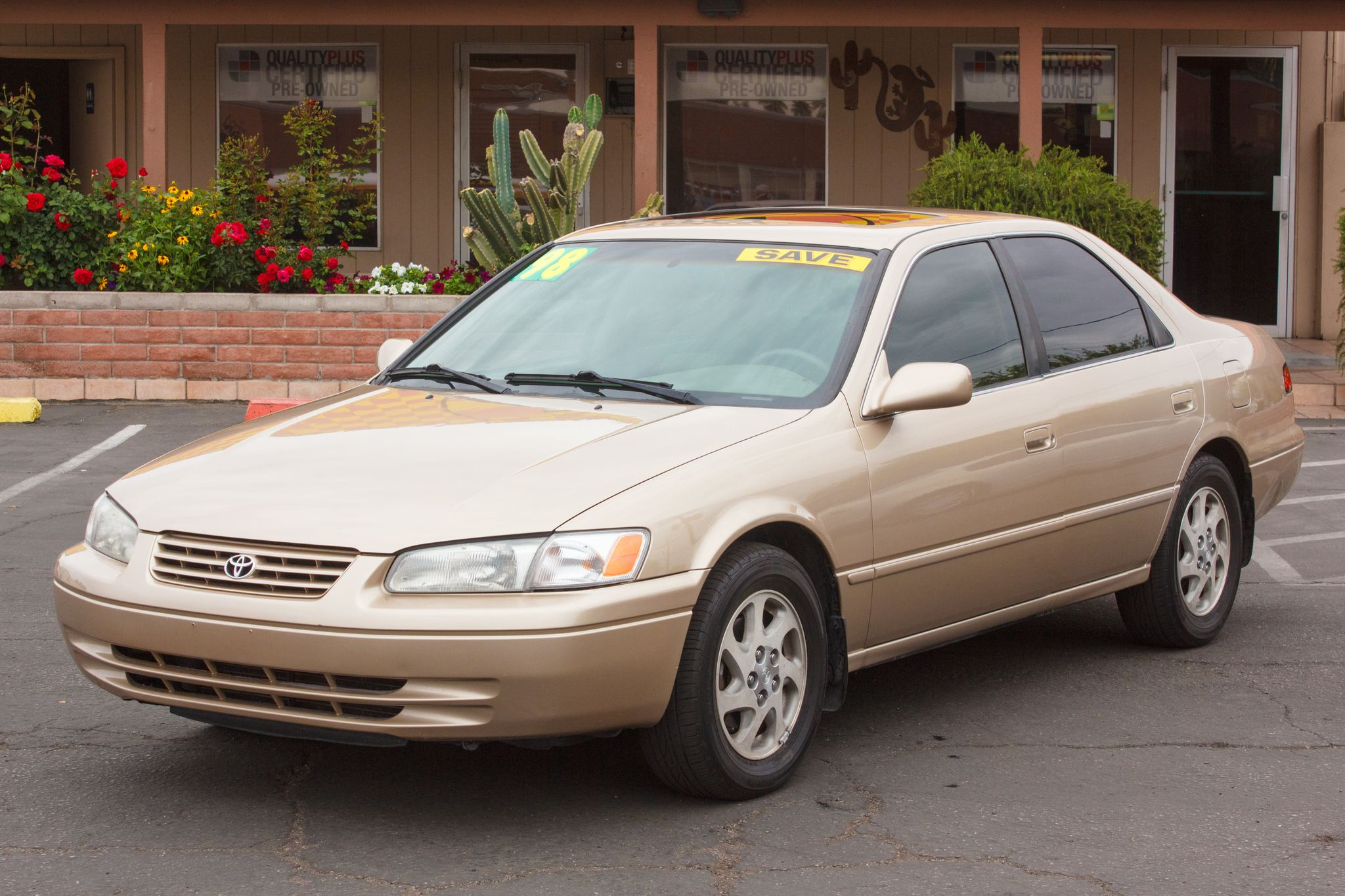 Photo of 1998 Toyota Camry 4d Sedan LE (V6) Cashmere Beige Metallic