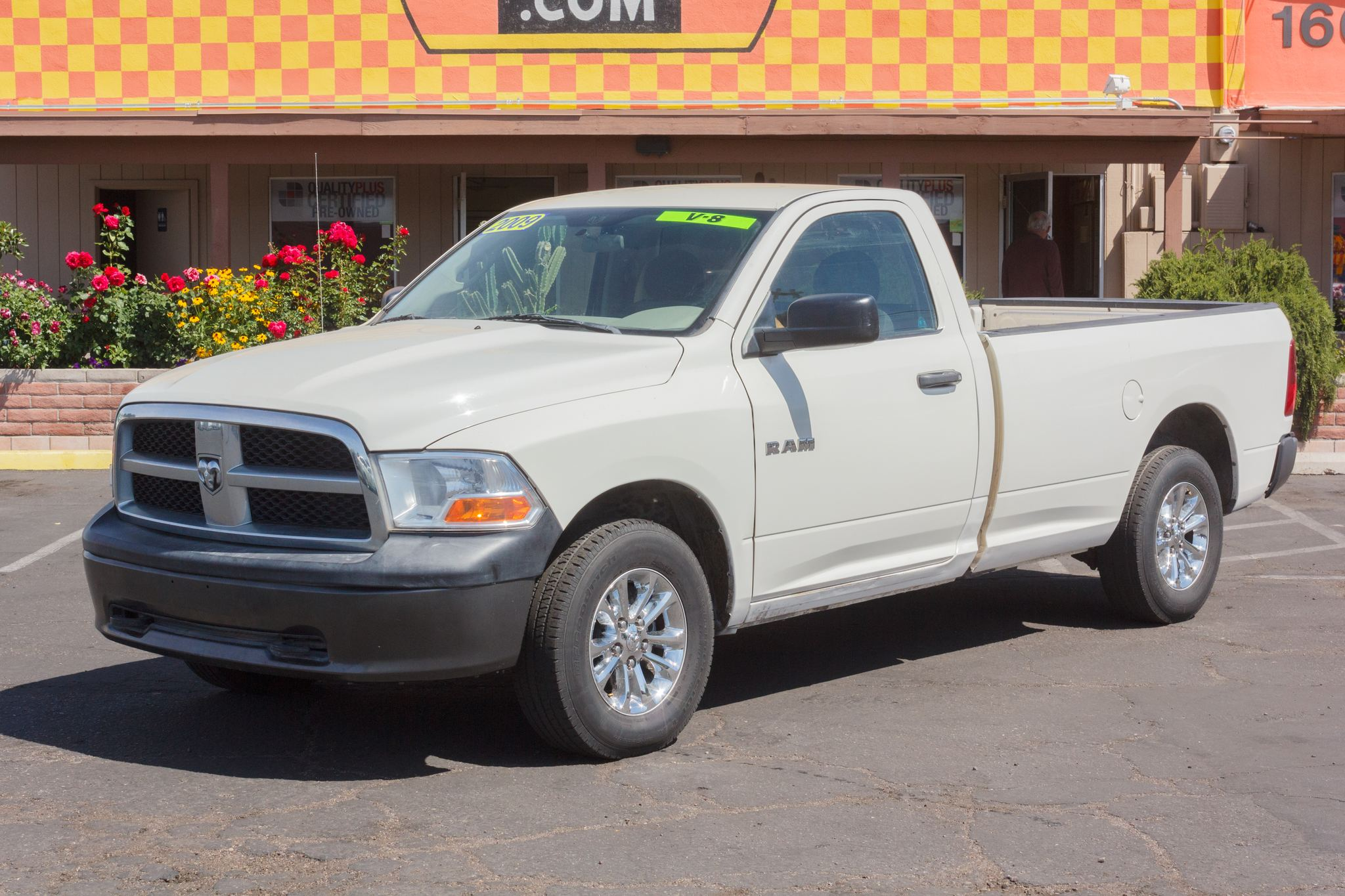 Photo of 2009 Dodge Ram 1500 4WD Reg Cab ST Longbed Stone White Clearcoat