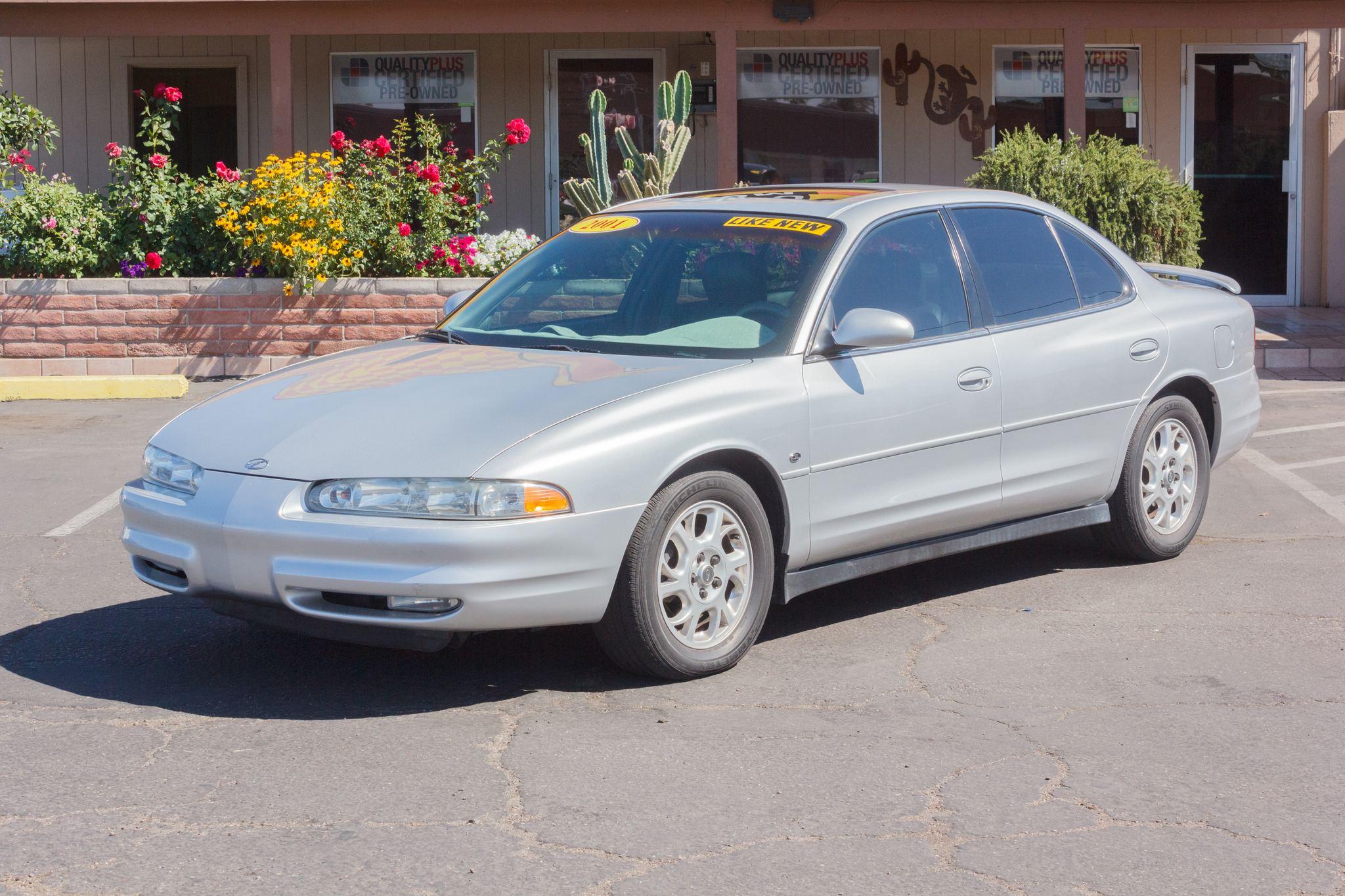 Photo of 2001 Oldsmobile Intrigue 4d Sedan GL Sterling