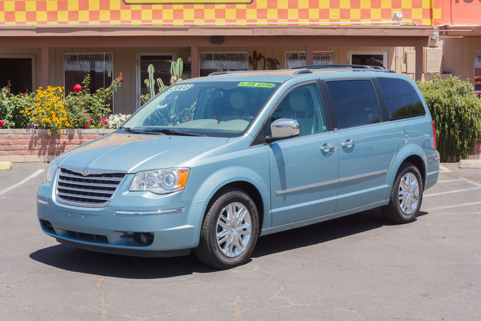 Photo of 2008 Chrysler Town & Country 4d Wagon Limited Clearwater Blue Pearlcoat