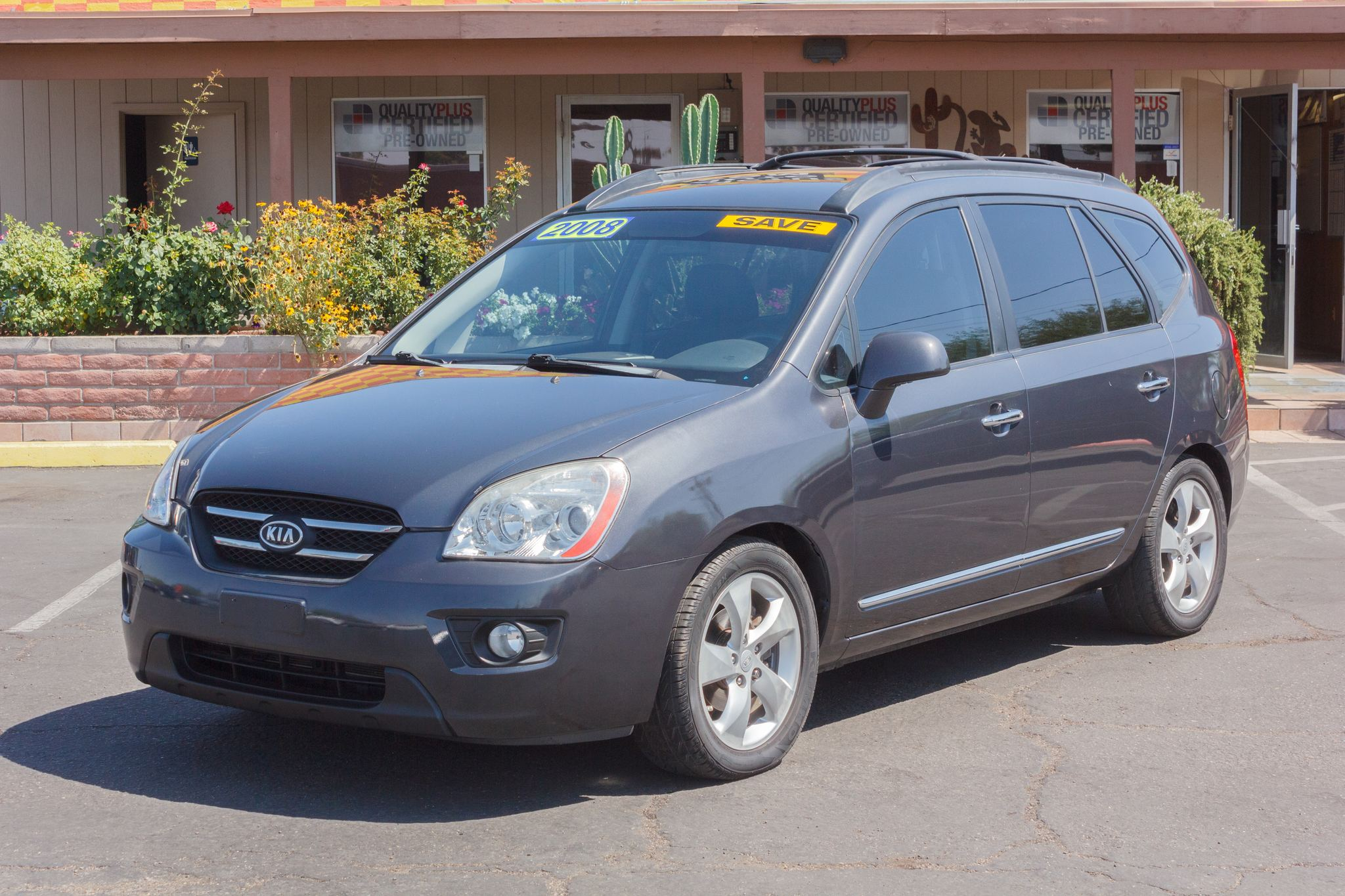 Photo of 2008 Kia Rondo 5d Wagon EX V6 Urban Gray