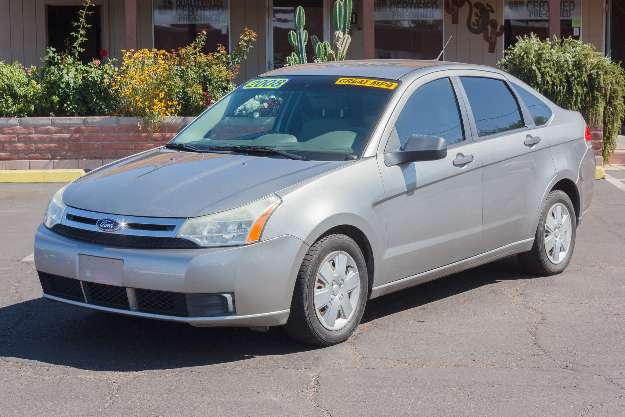 Photo of 2008 Ford Focus 4d Sedan S Silver Frost Clearcoat Metallic