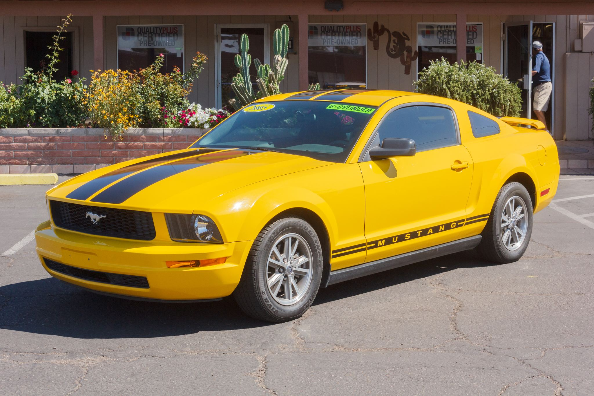 Photo of 2005 Ford Mustang 2d Coupe Premium Screaming Yellow Clearcoat