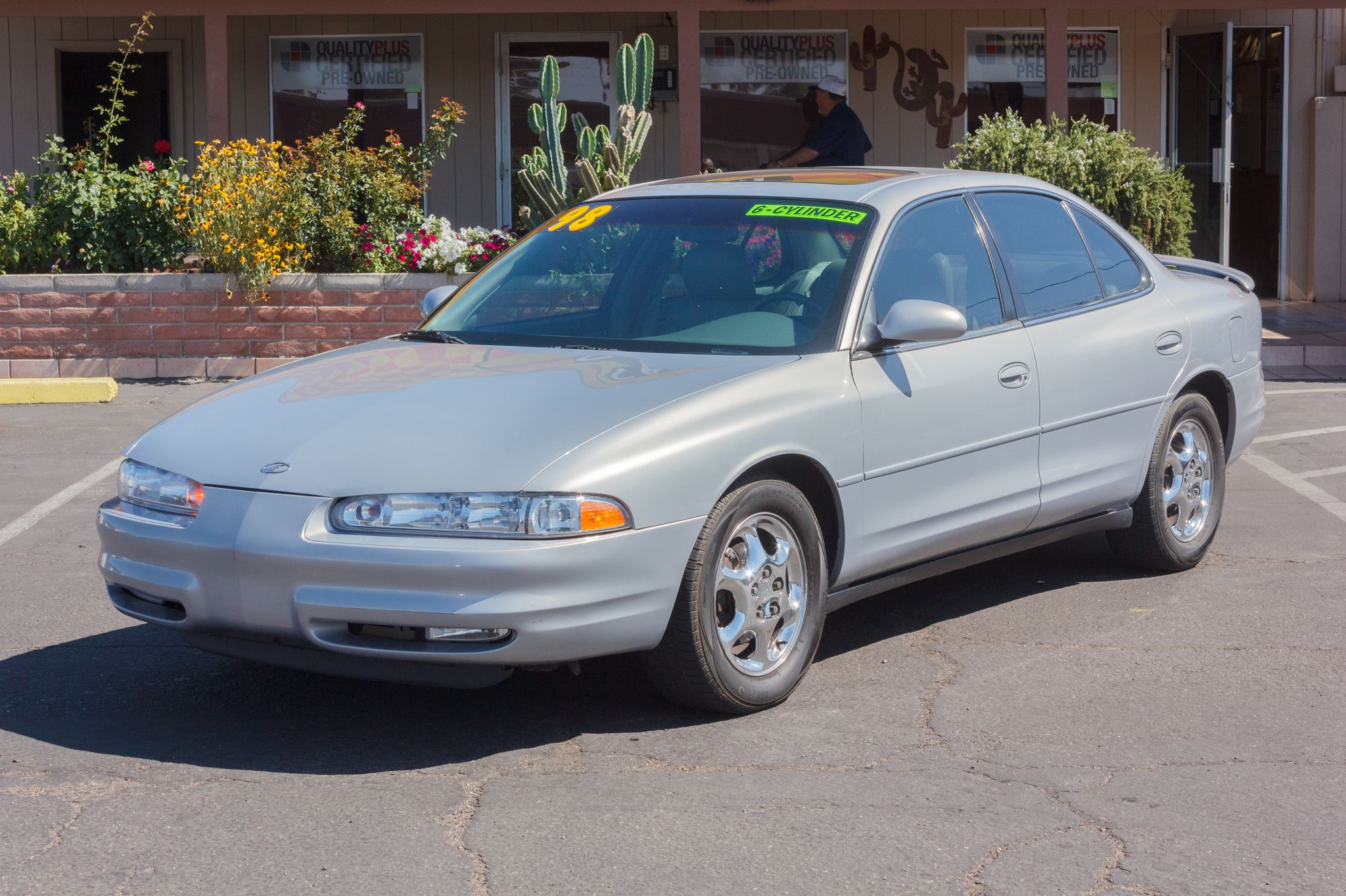 Photo of 1998 Oldsmobile Intrigue 4d Sedan GL Silver Metallic