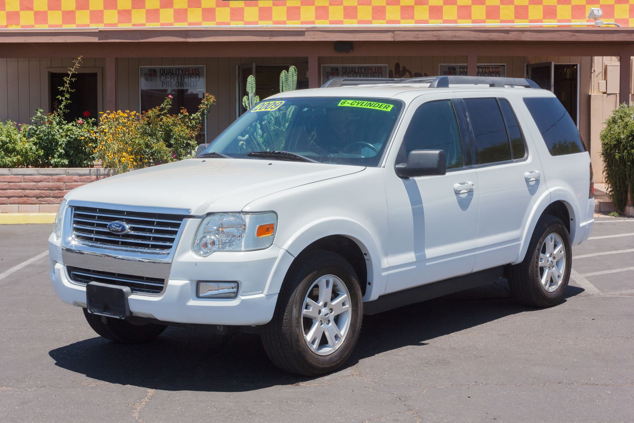 Photo of 2009 Ford Explorer 4WD 4d Wagon XLT V6 Oxford White Clearcoat (Fleet)