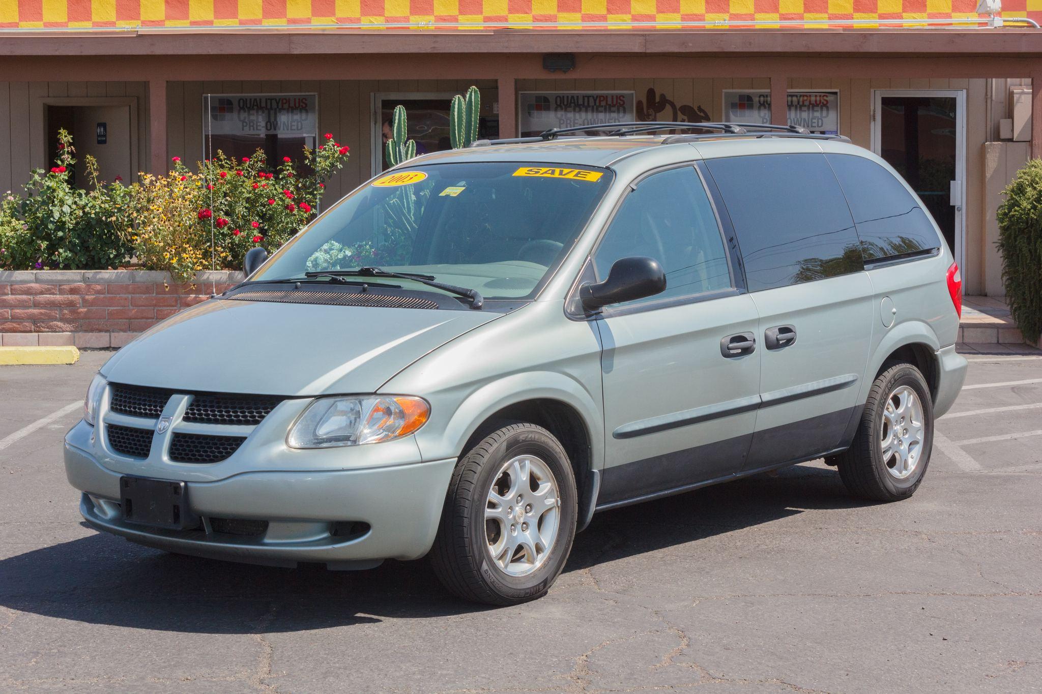Photo of 2003 Dodge Caravan 4d Wagon SXT Patriot Blue Pearlcoat