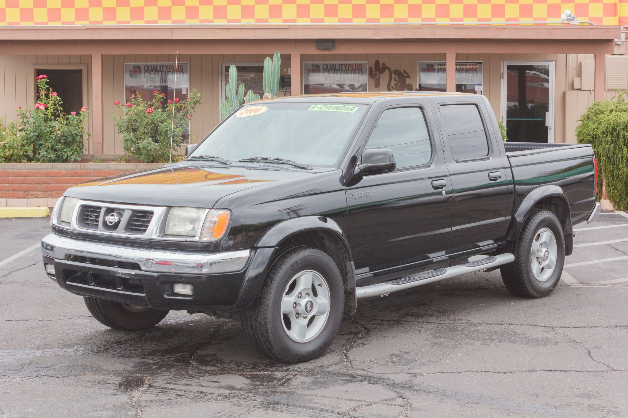 Photo of 2000 Nissan Frontier 2WD Crew Cab SE Super Black Clearcoat