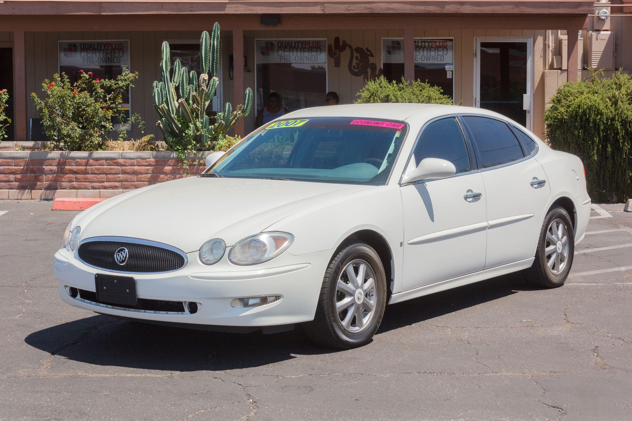 Photo of 2007 Buick LaCrosse 4d Sedan CXL White Opal