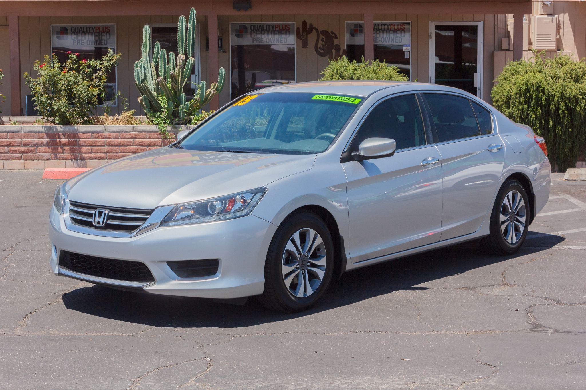 Photo of 2013 Honda Accord Sedan 4d Sedan LX CVT Alabaster Silver Metallic