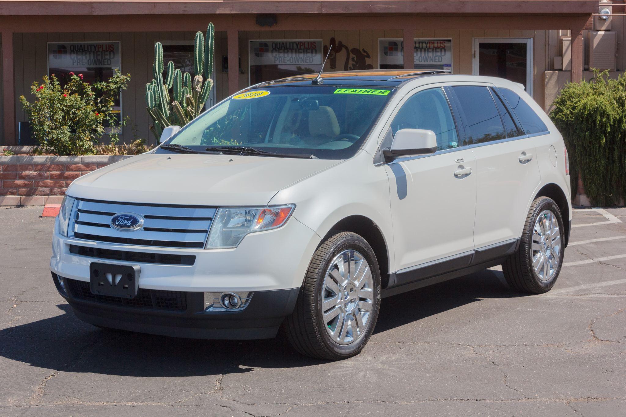 Photo of 2010 Ford Edge FWD 4d Wagon Limited White Platinum Metallic Tri-Coat