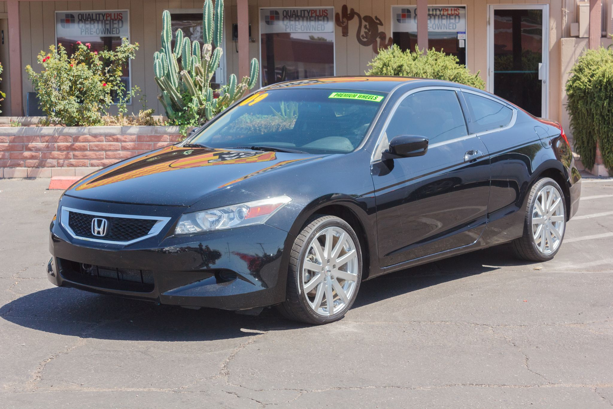 Photo of 2009 Honda Accord Coupe 2d Coupe LX-S Auto Crystal Black Pearl
