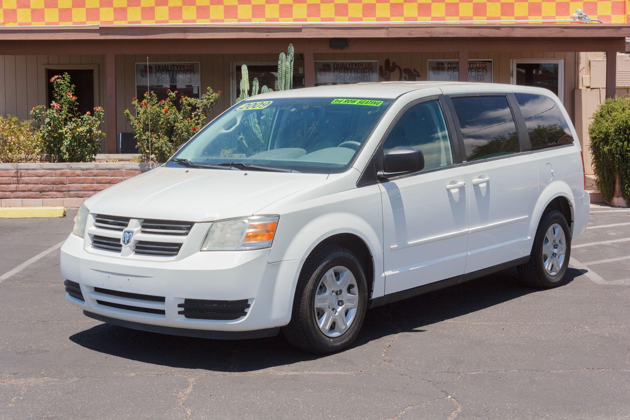 Photo of 2009 Dodge Grand Caravan 4d Wagon SE