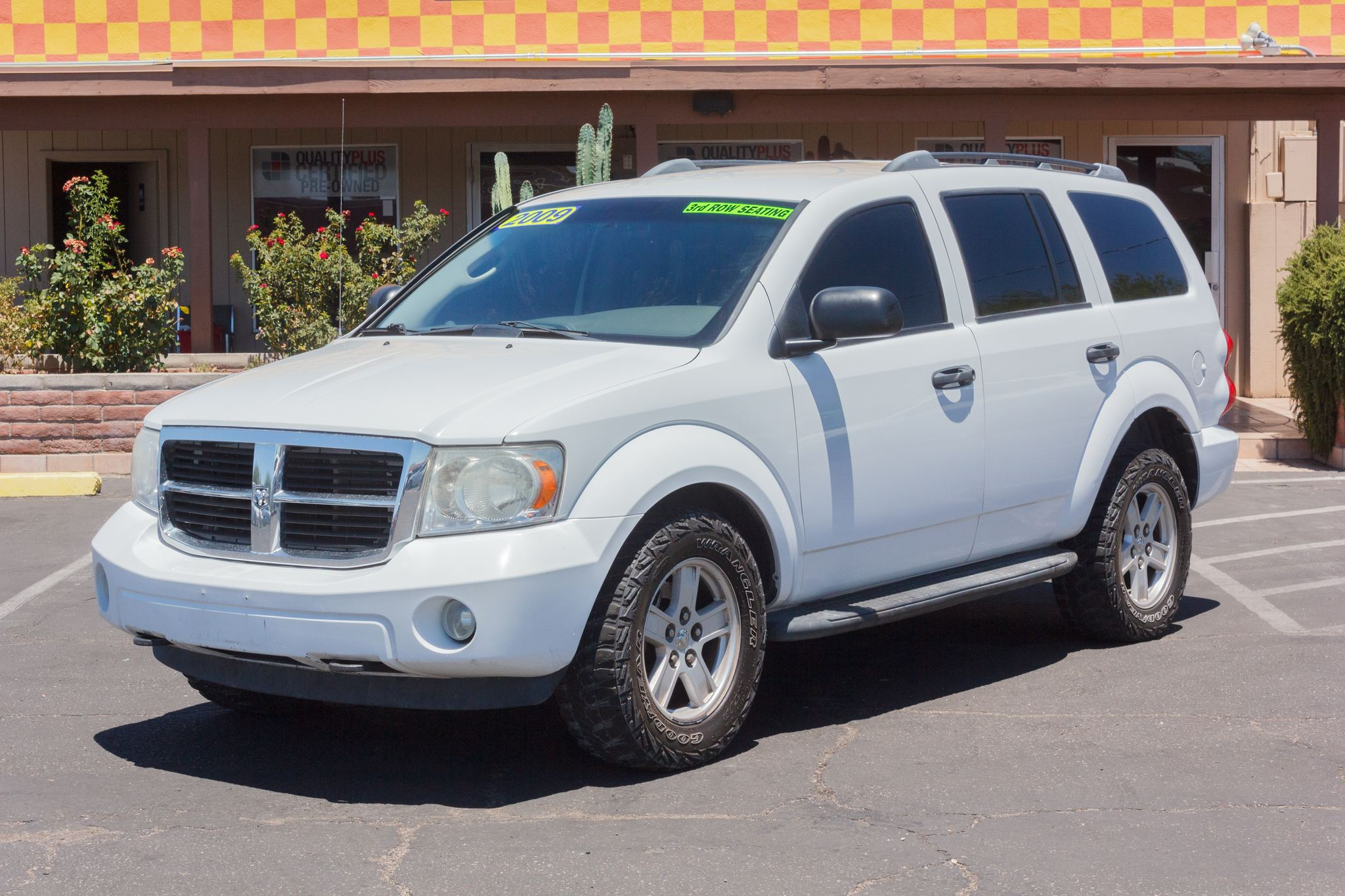 Photo of 2009 Dodge Durango 4WD 4d Wagon SE Bright White Clearcoat