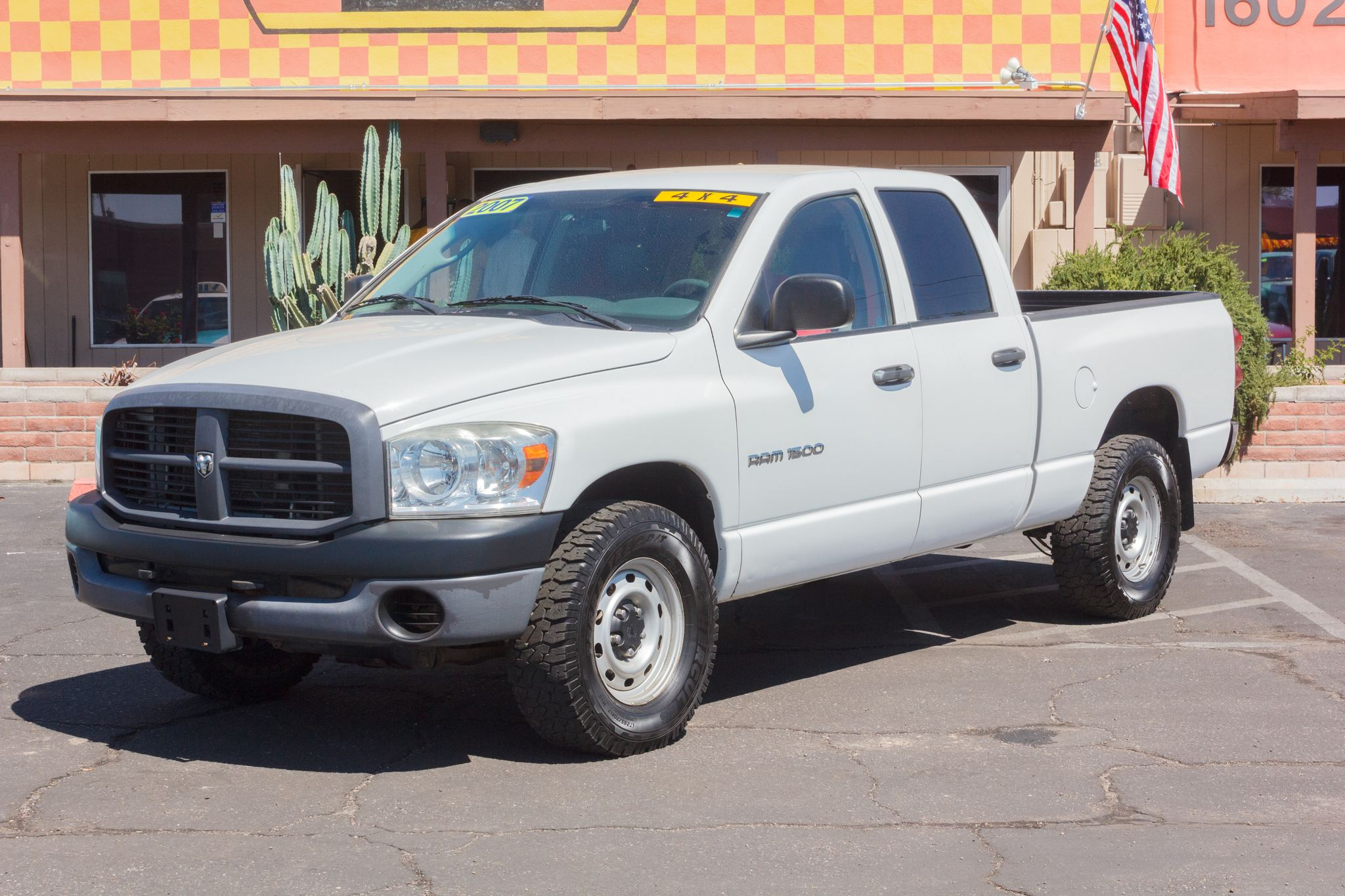 Photo of 2007 Dodge Ram 1500 4WD Quad Cab ST