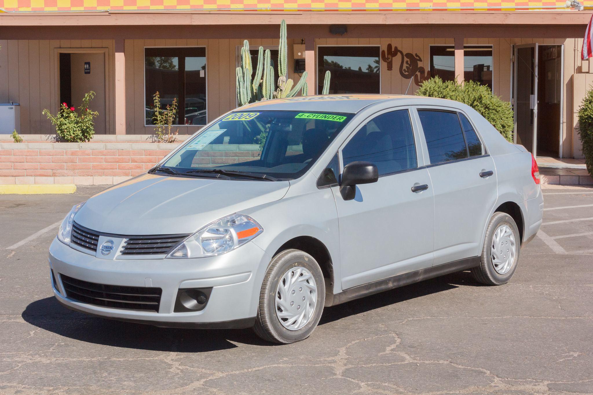 Photo of 2009 Nissan Versa 4d Sedan Base