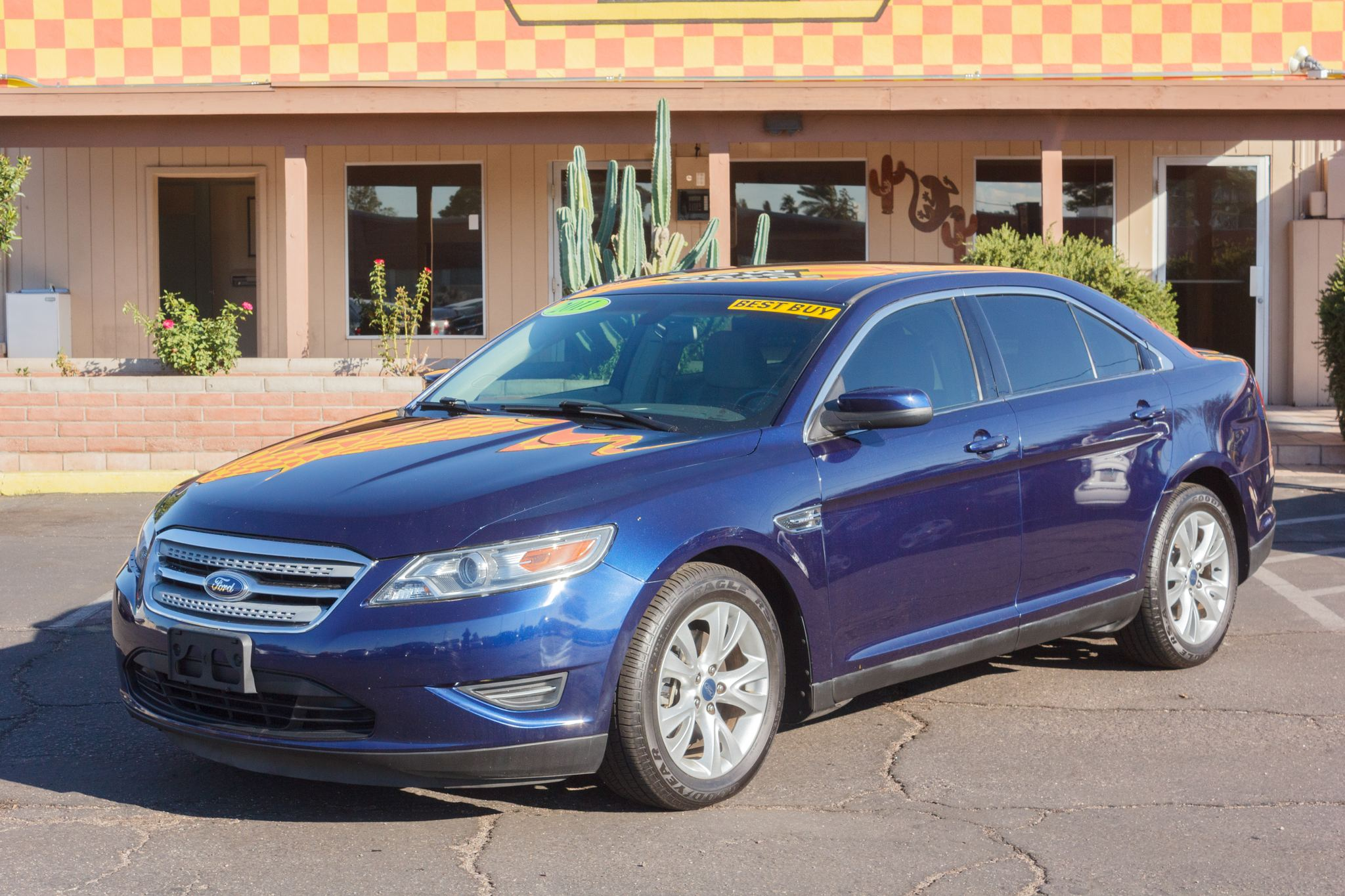 Photo of 2011 Ford Taurus 4d Sedan SEL