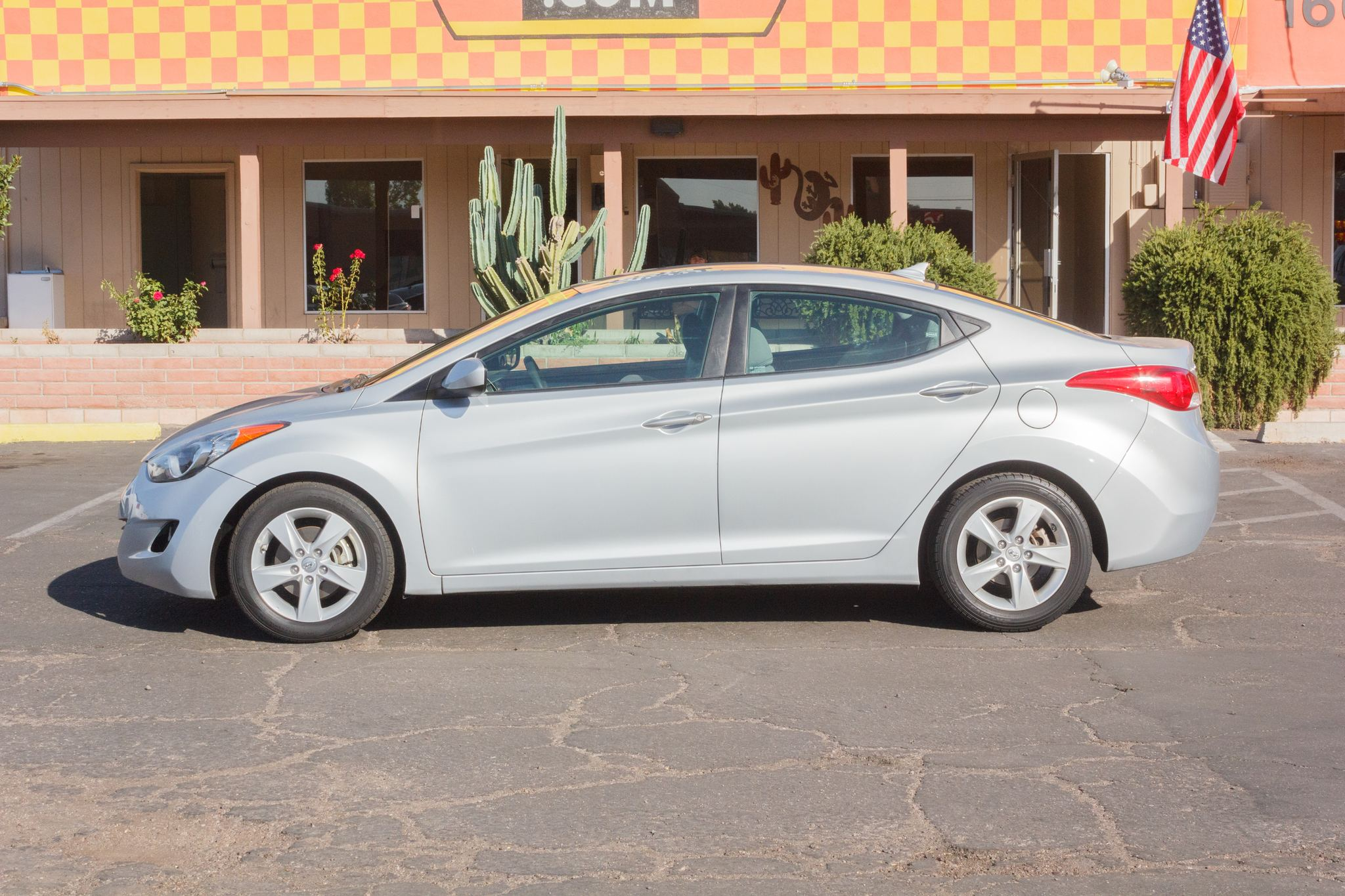 Photo of 2012 Hyundai Elantra 4d Sedan GLS Auto
