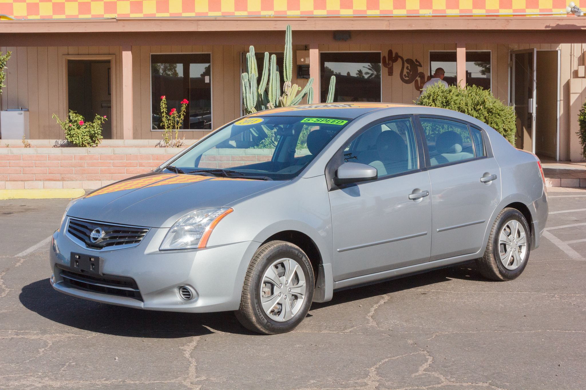 Photo of 2011 Nissan Sentra 4d Sedan 2.0 6spd