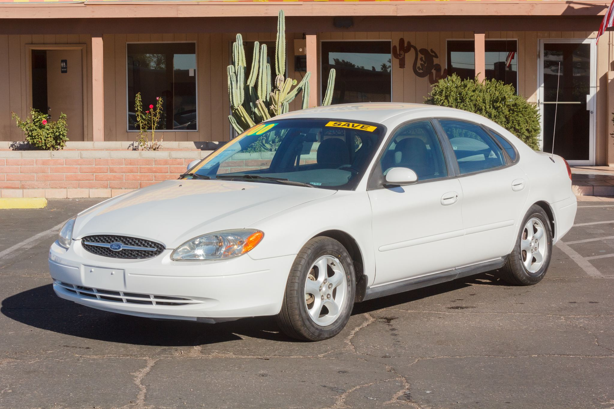 Photo of 2000 Ford Taurus 4d Sedan SE