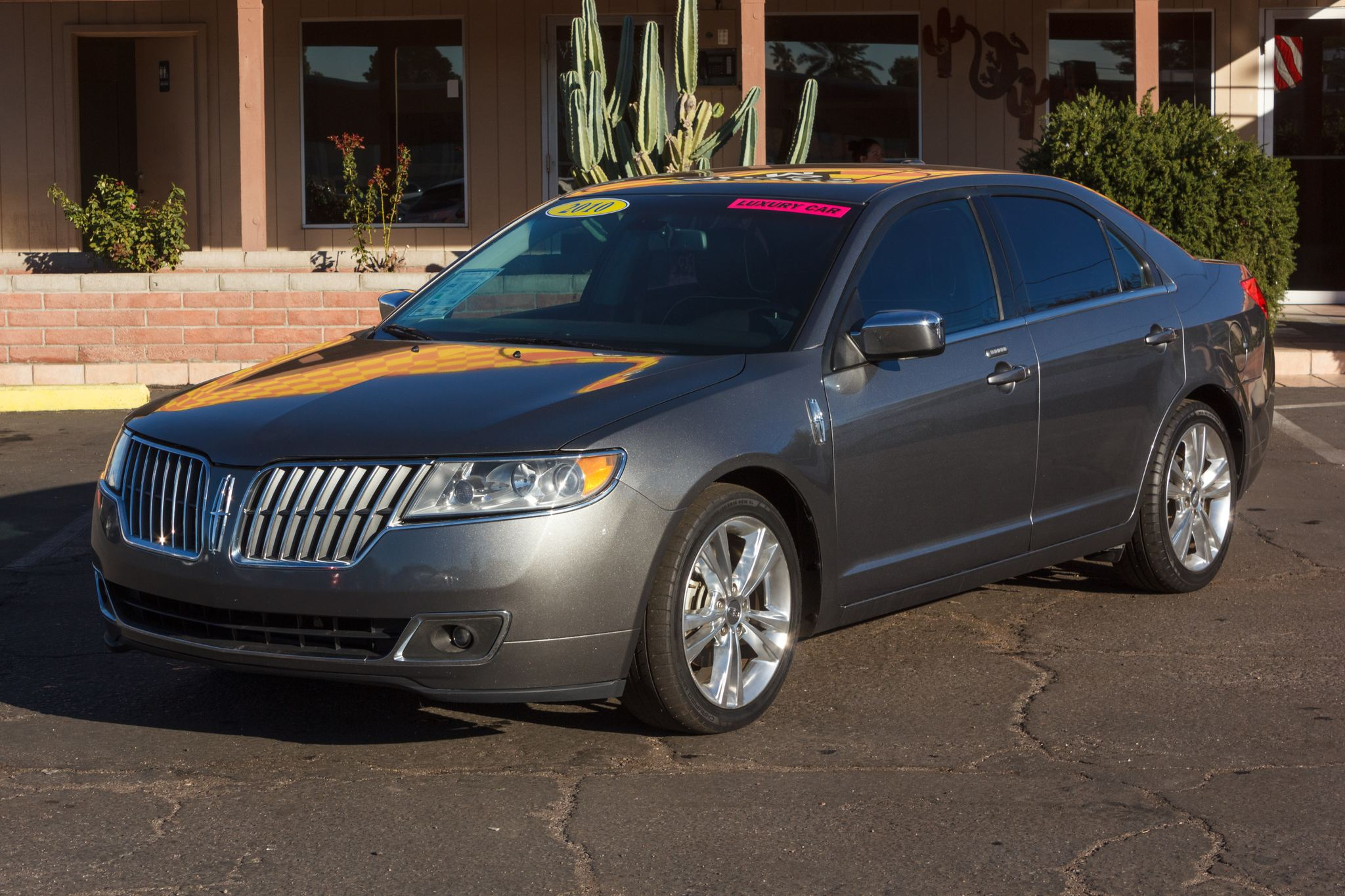 Photo of 2010 Lincoln MKZ 4d Sedan FWD