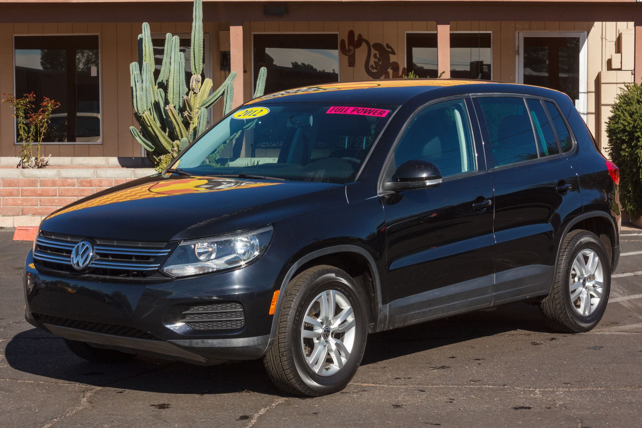 Photo of 2012 Volkswagen Tiguan 4d SUV LE