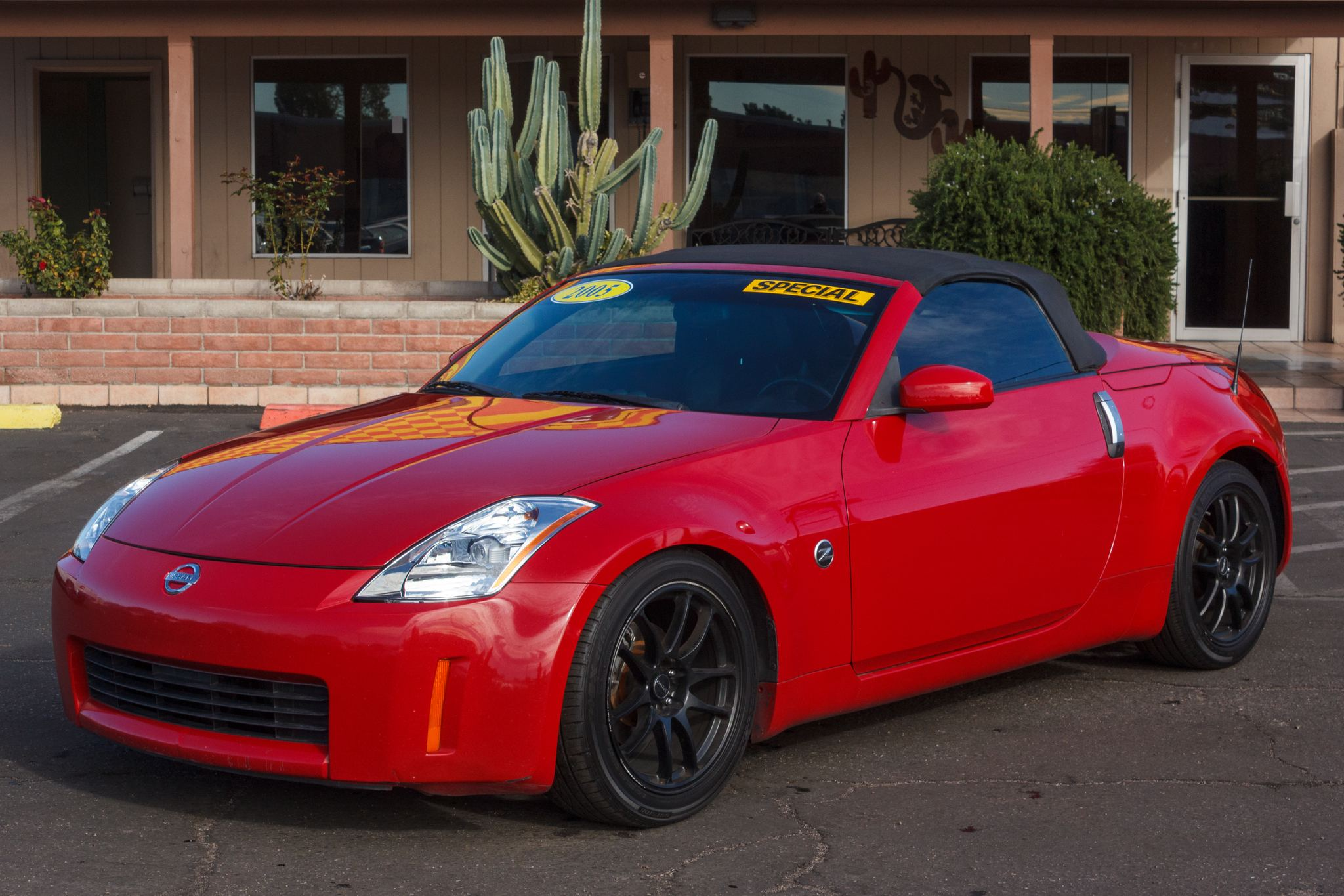 Photo of 2005 Nissan 350Z 2d Roadster Touring