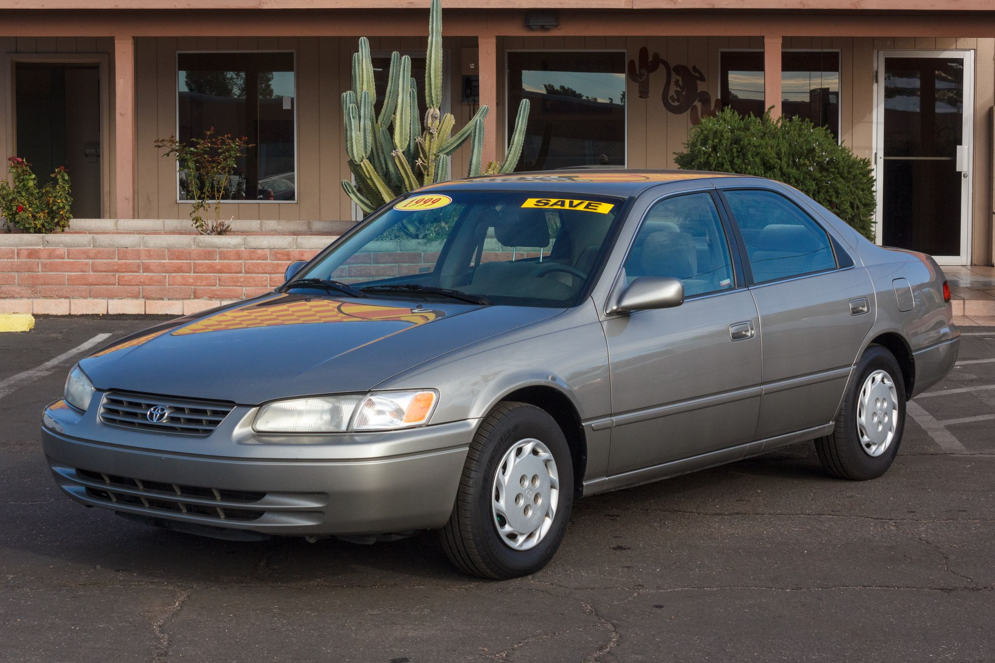 Photo of 1999 Toyota Camry 4d Sedan LE