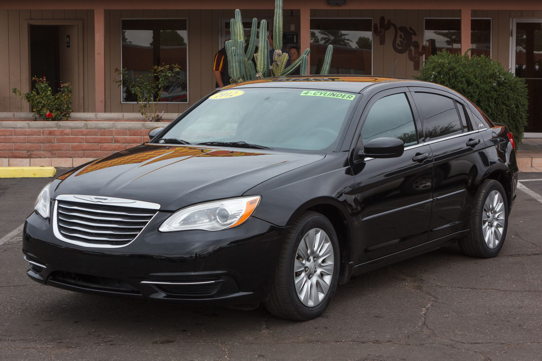 Photo of 2012 Chrysler 200 4d Sedan LX