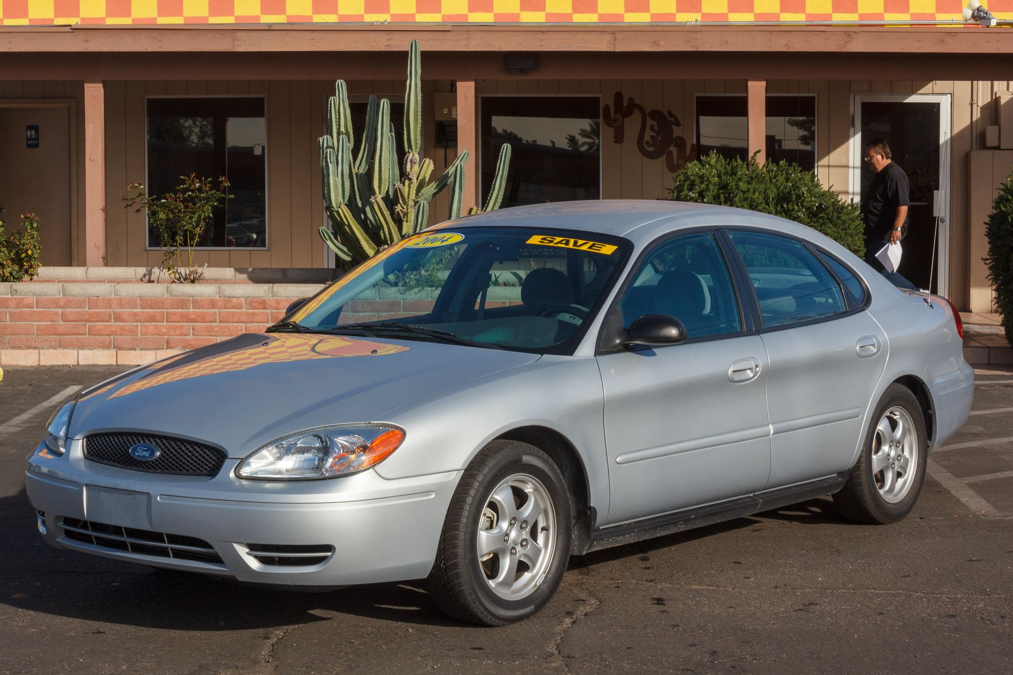 Photo of 2004 Ford Taurus 4d Sedan SES
