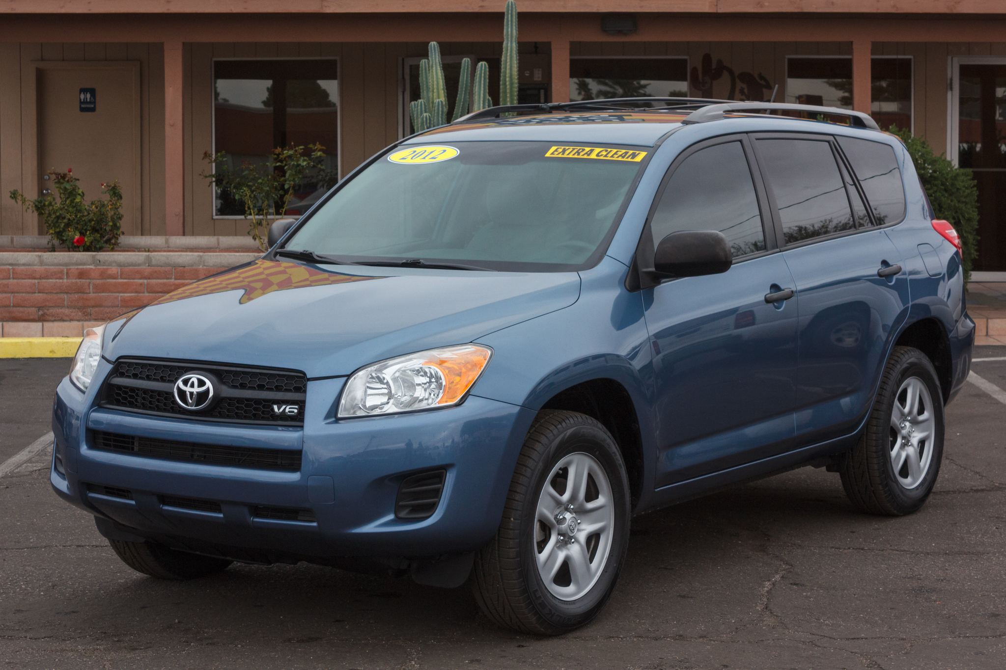 Photo of 2012 Toyota RAV4 FWD 4d Wagon (V6)