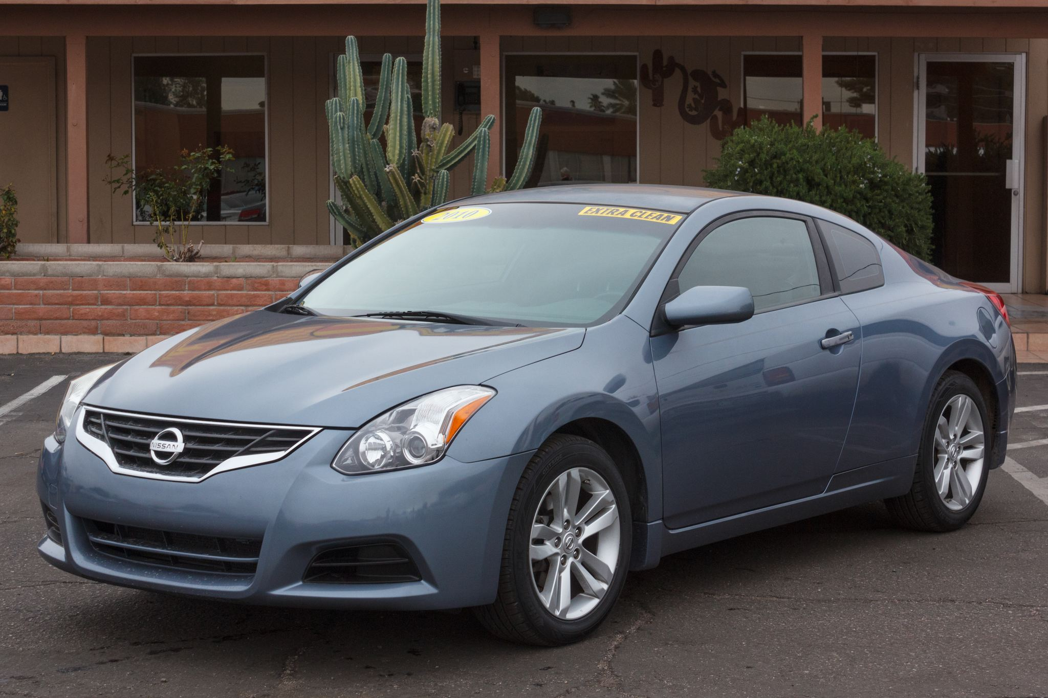 Photo of 2010 Nissan Altima Coupe 2d Coupe S CVT